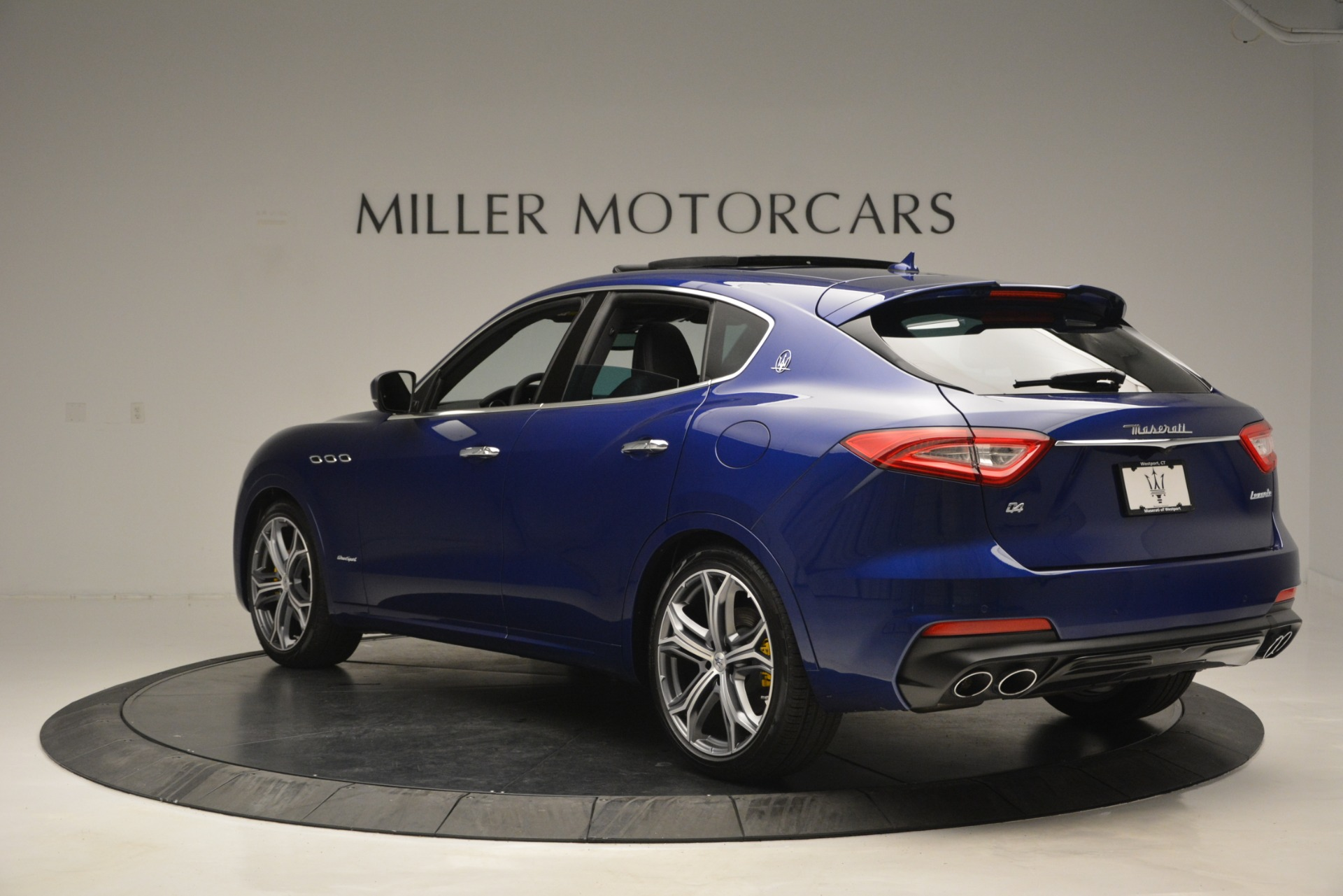 New 2019 Maserati Levante Q4 GranSport For Sale In Greenwich, CT. Alfa Romeo of Greenwich, M2230 2670_p7
