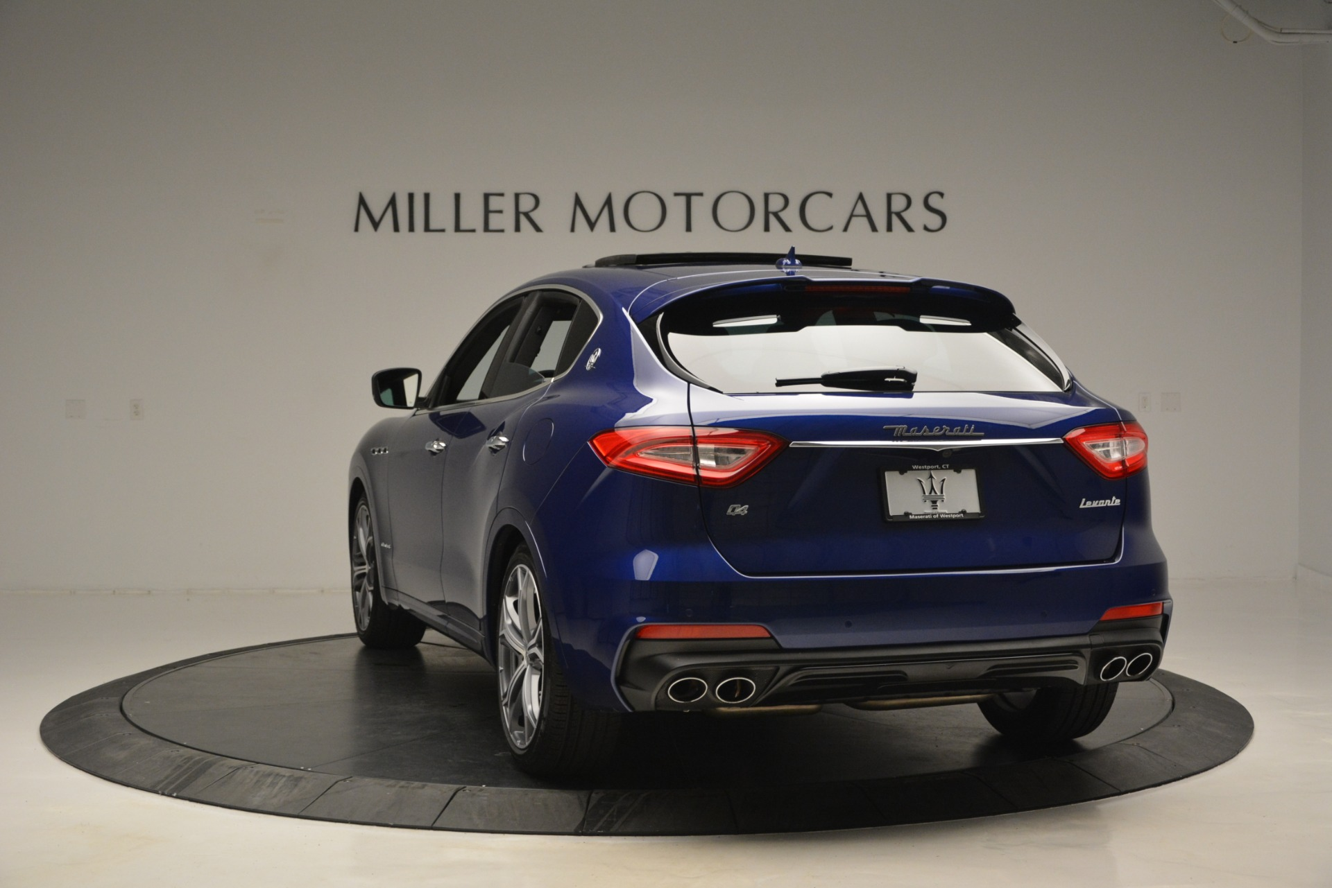 New 2019 Maserati Levante Q4 GranSport For Sale In Greenwich, CT. Alfa Romeo of Greenwich, M2230 2670_p8
