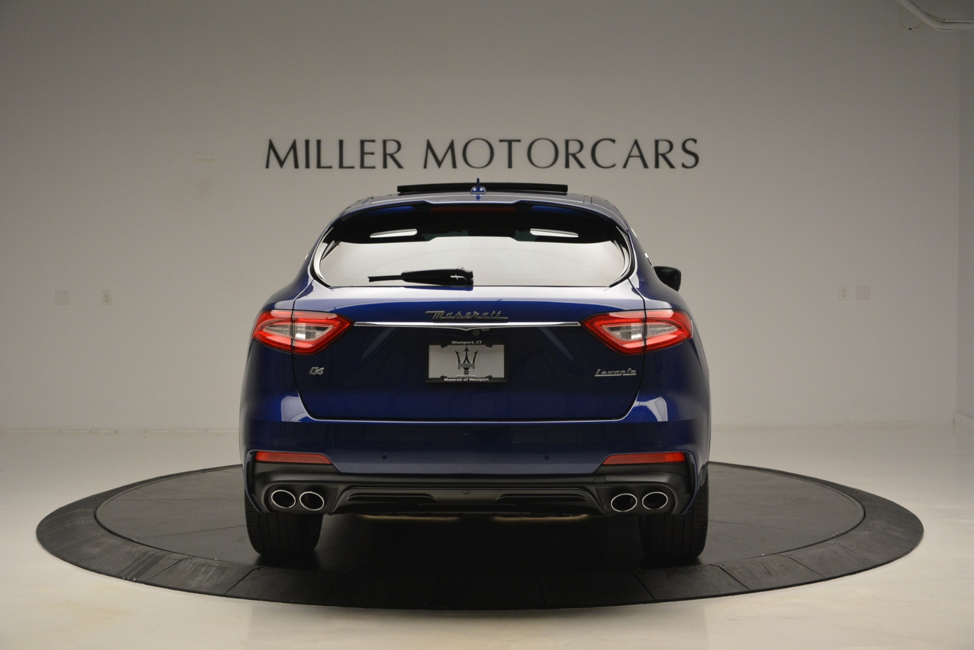 New 2019 Maserati Levante Q4 GranSport For Sale In Greenwich, CT. Alfa Romeo of Greenwich, M2230 2670_p9