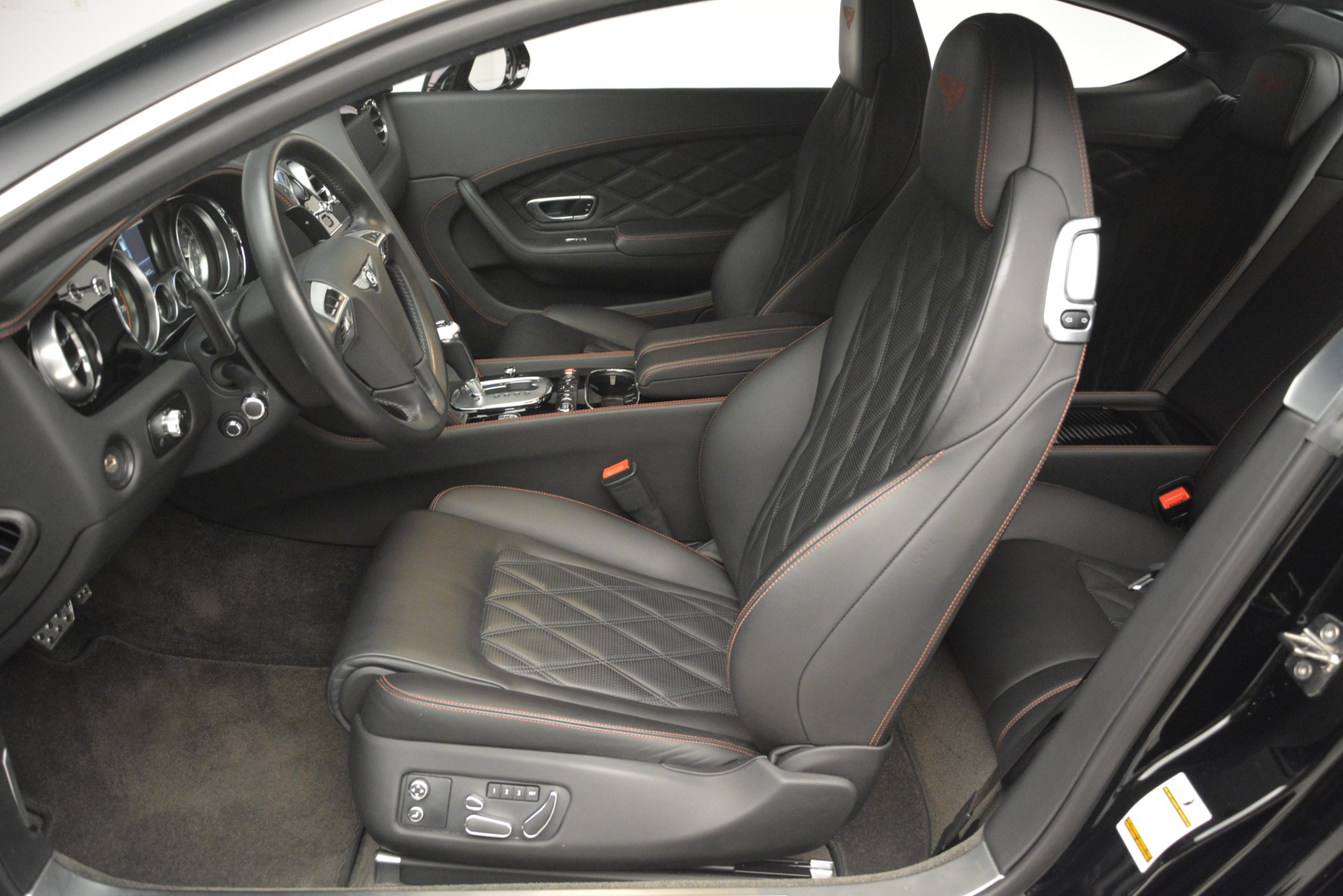 Used 2012 Bentley Continental GT W12 For Sale In Greenwich, CT. Alfa Romeo of Greenwich, 7439 2671_p19