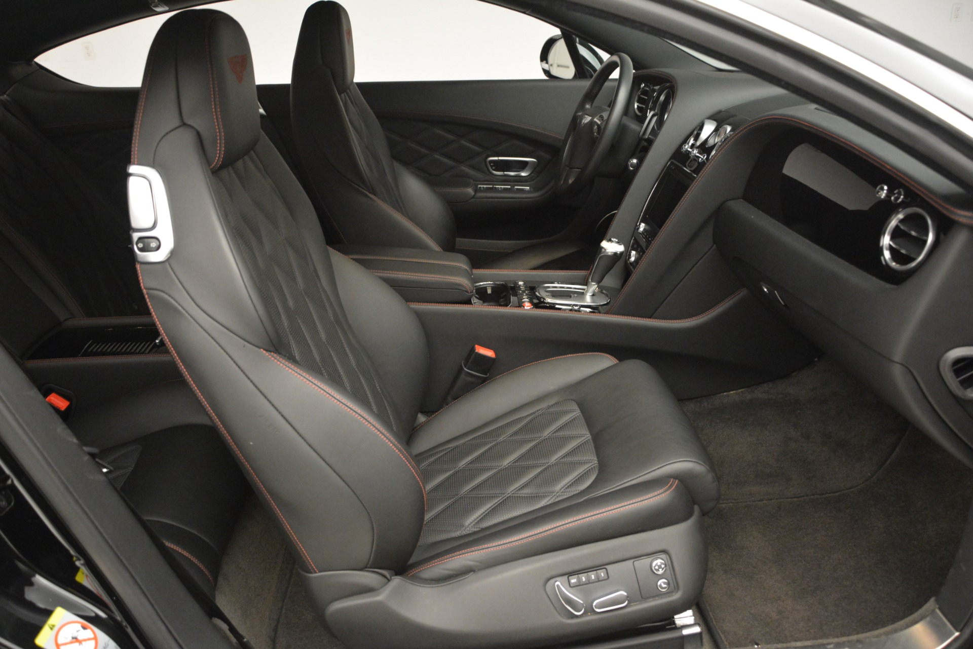 Used 2012 Bentley Continental GT W12 For Sale In Greenwich, CT. Alfa Romeo of Greenwich, 7439 2671_p27