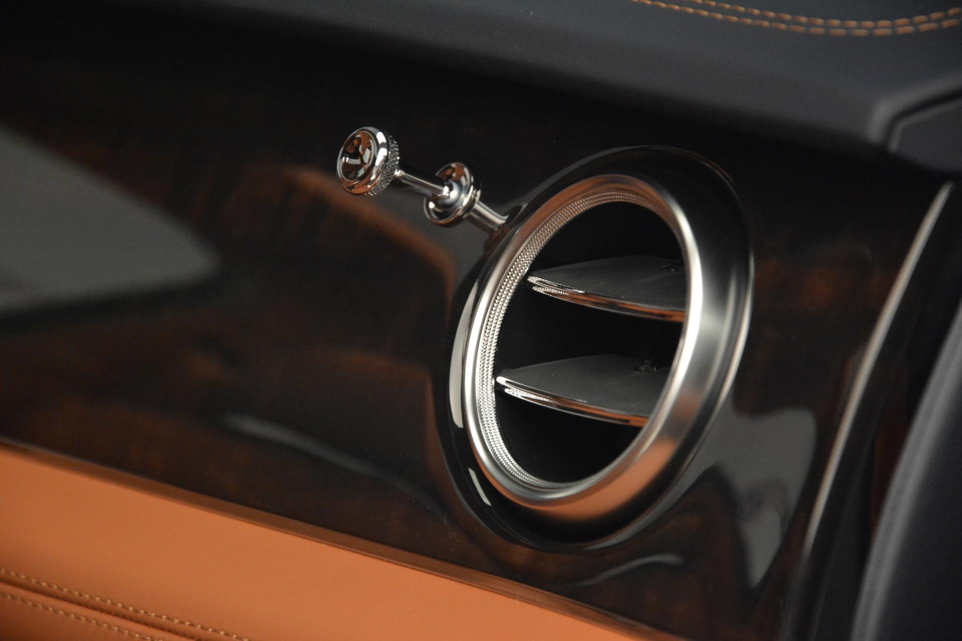 New 2019 Bentley Bentayga V8 For Sale In Greenwich, CT. Alfa Romeo of Greenwich, B1388 2672_p26