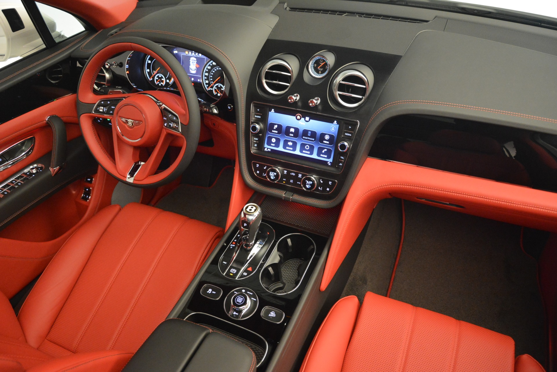 New 2019 Bentley Bentayga V8 For Sale In Greenwich, CT. Alfa Romeo of Greenwich, B1396 2673_p29
