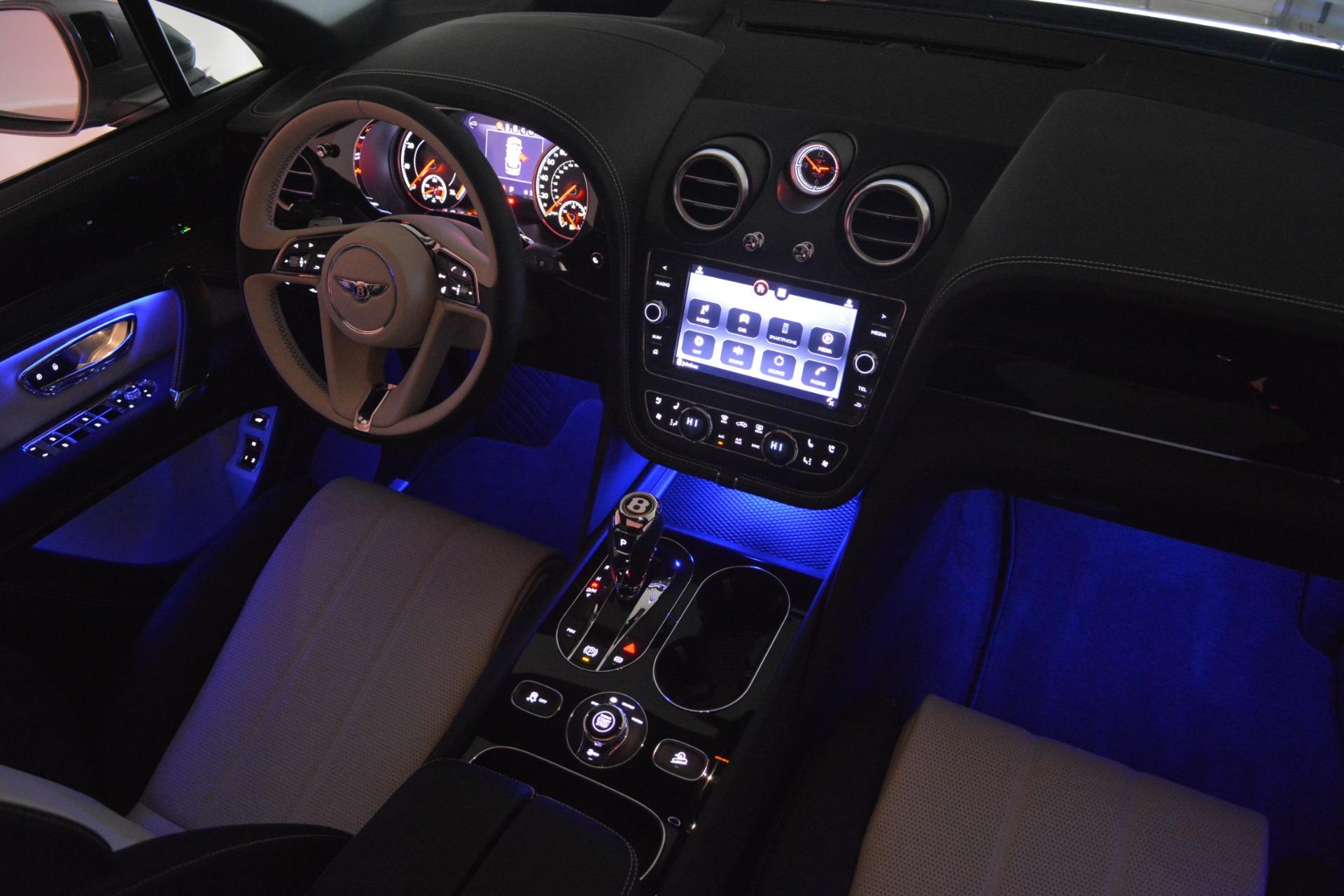 New 2019 Bentley Bentayga V8 For Sale In Greenwich, CT. Alfa Romeo of Greenwich, B1398 2674_p31