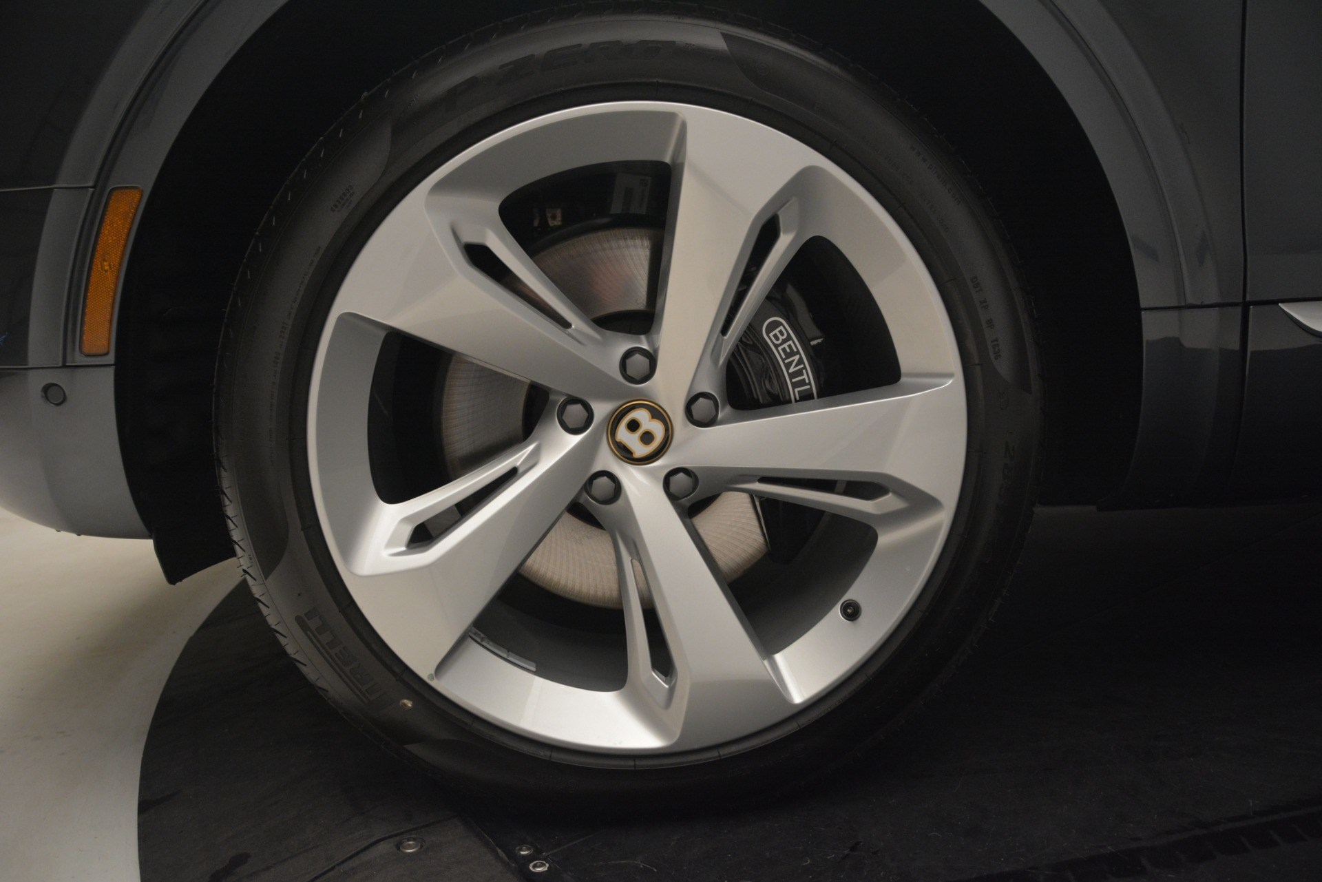 New 2019 Bentley Bentayga V8 For Sale In Greenwich, CT. Alfa Romeo of Greenwich, B1397 2676_p17