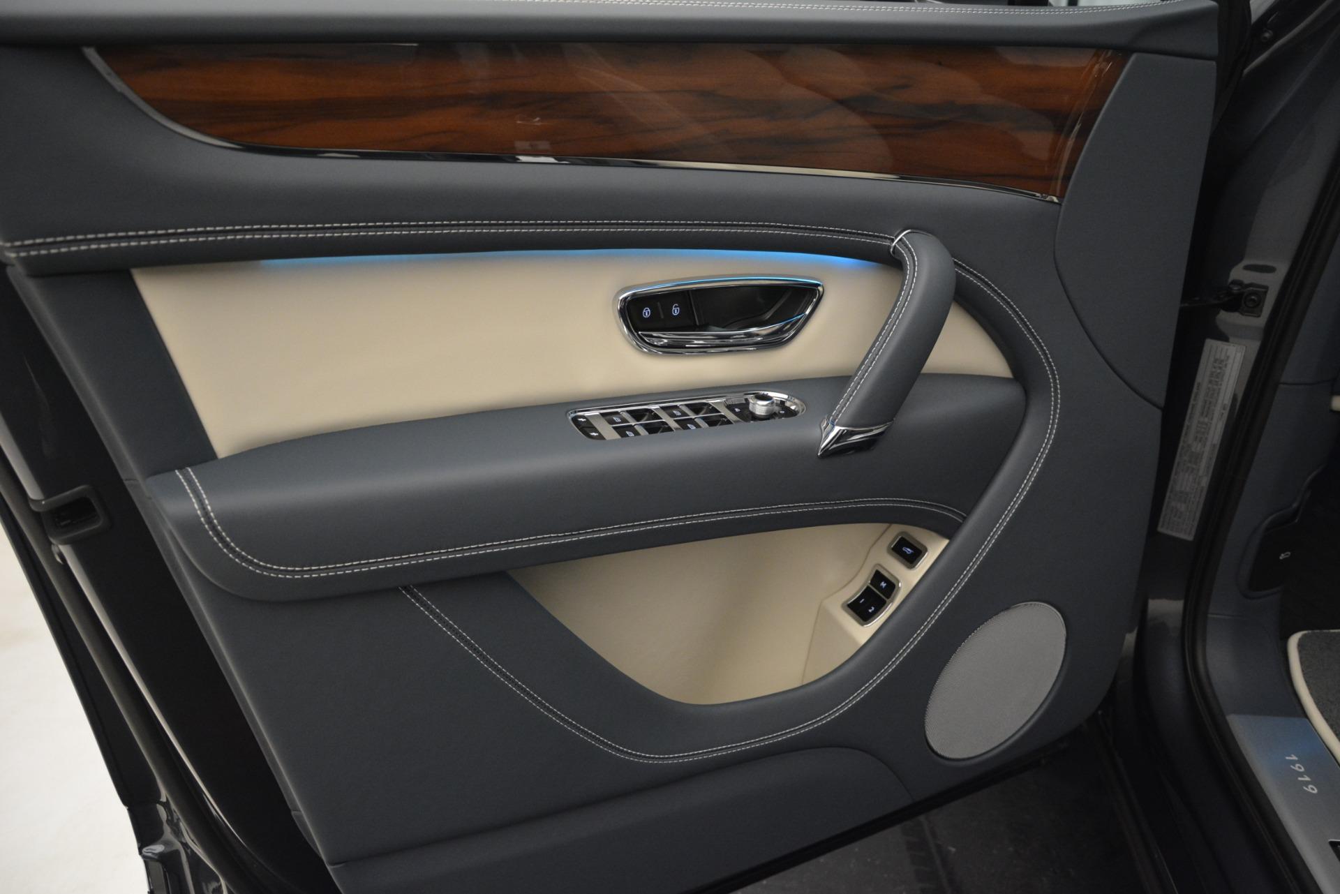 New 2019 Bentley Bentayga V8 For Sale In Greenwich, CT. Alfa Romeo of Greenwich, B1397 2676_p18