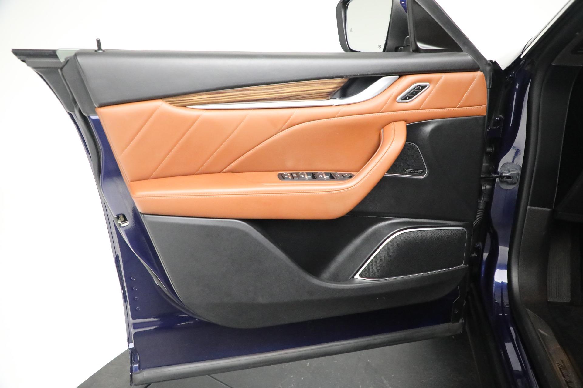 New 2019 Maserati Levante Q4 GranLusso For Sale In Greenwich, CT. Alfa Romeo of Greenwich, M2207 2678_p17