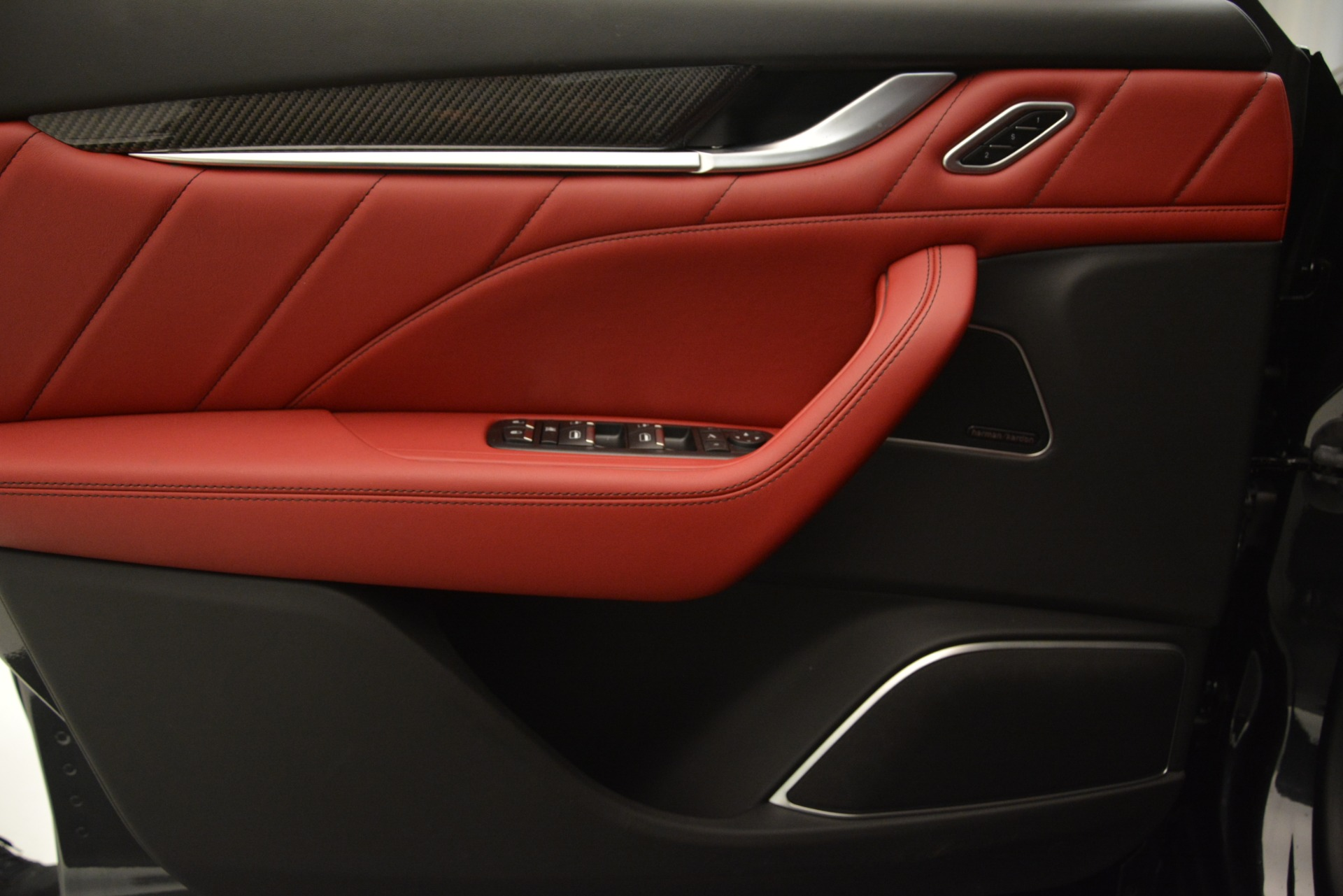 New 2019 Maserati Levante S Q4 GranSport For Sale In Greenwich, CT. Alfa Romeo of Greenwich, M2209 2679_p16