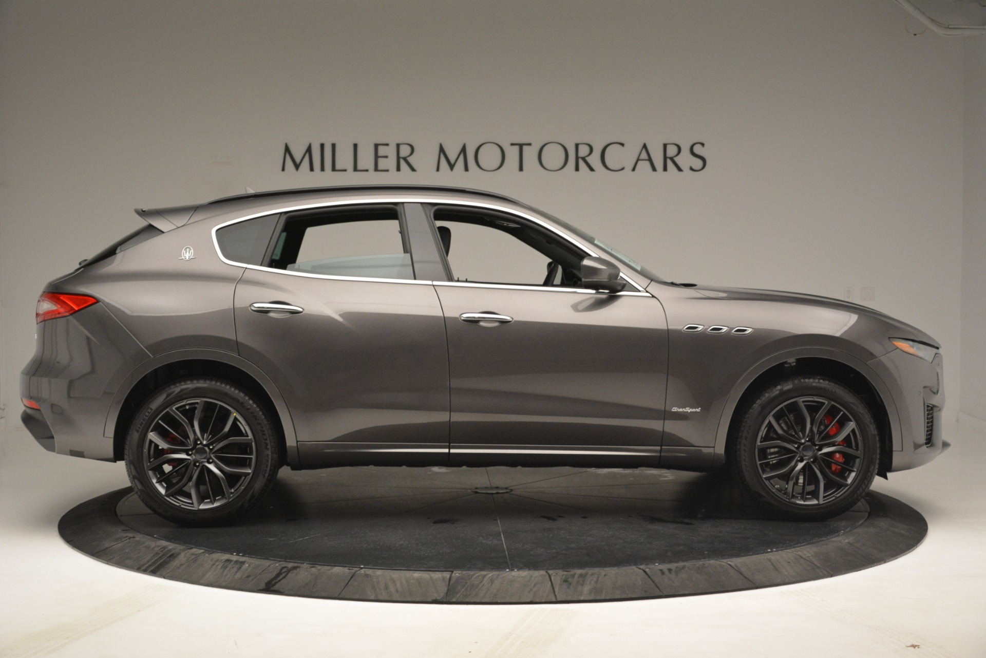 New 2019 Maserati Levante S Q4 GranSport For Sale In Greenwich, CT. Alfa Romeo of Greenwich, M2217 2680_p9