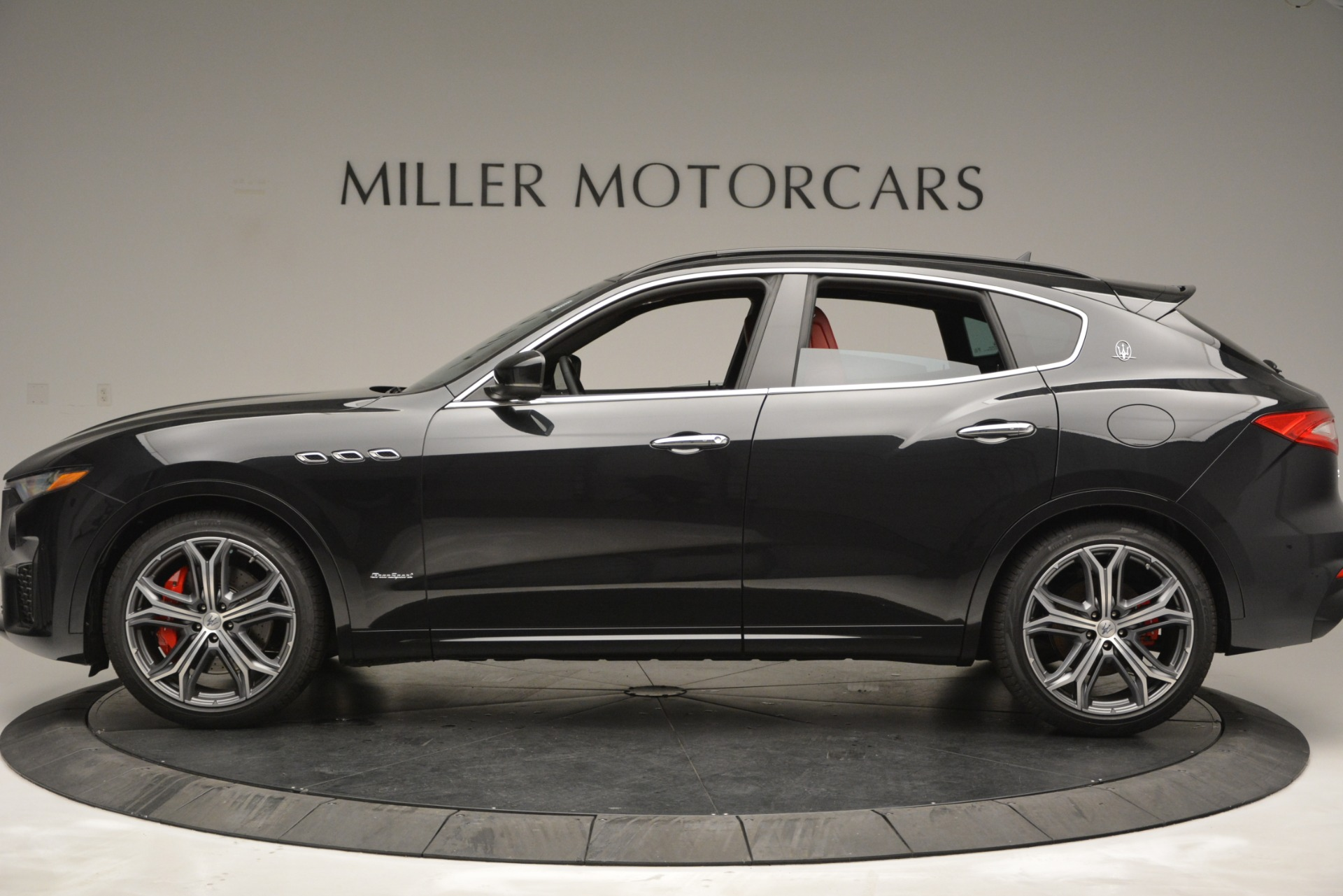 New 2019 Maserati Levante S Q4 GranSport For Sale In Greenwich, CT. Alfa Romeo of Greenwich, M2211 2683_p3