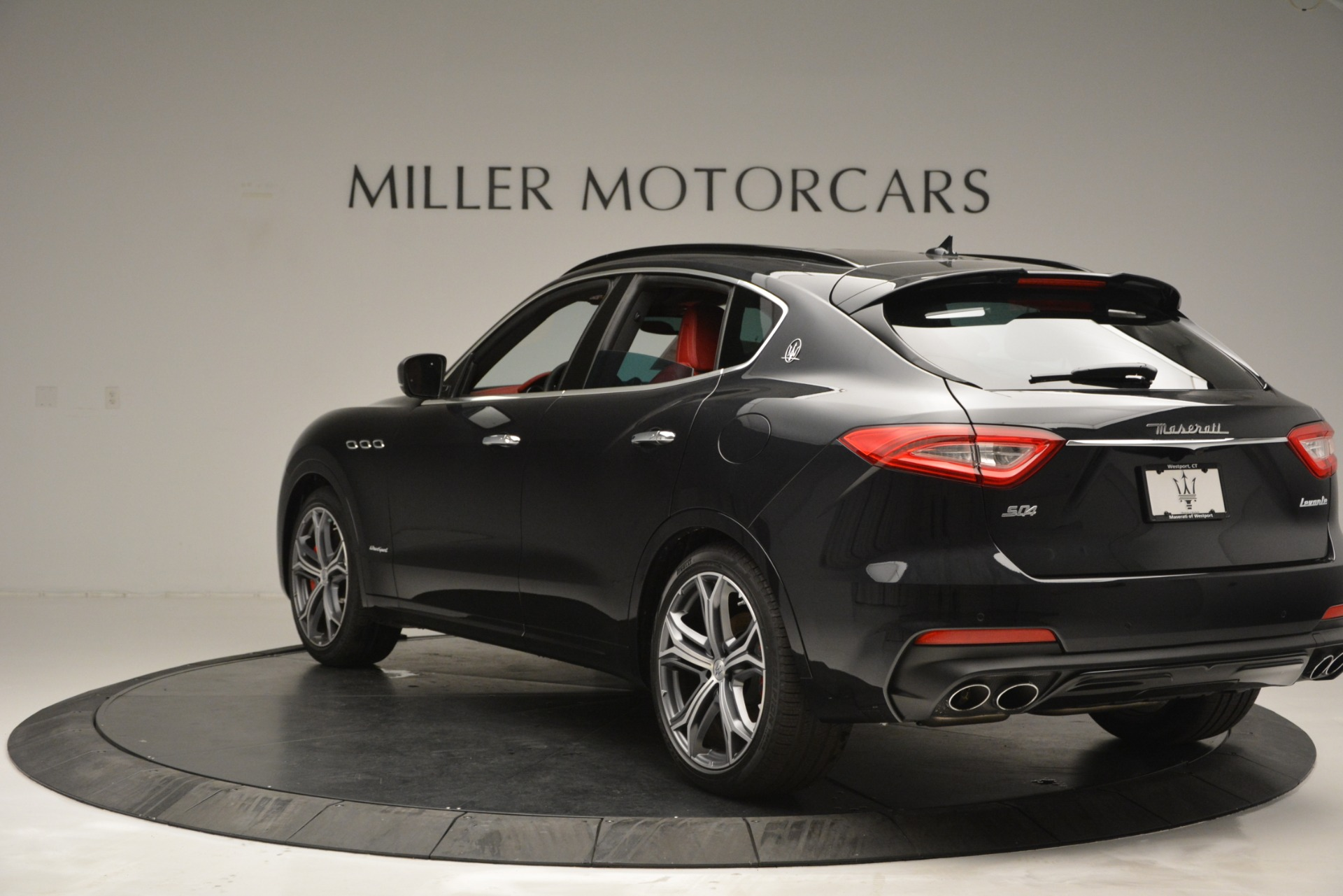 New 2019 Maserati Levante S Q4 GranSport For Sale In Greenwich, CT. Alfa Romeo of Greenwich, M2211 2683_p5