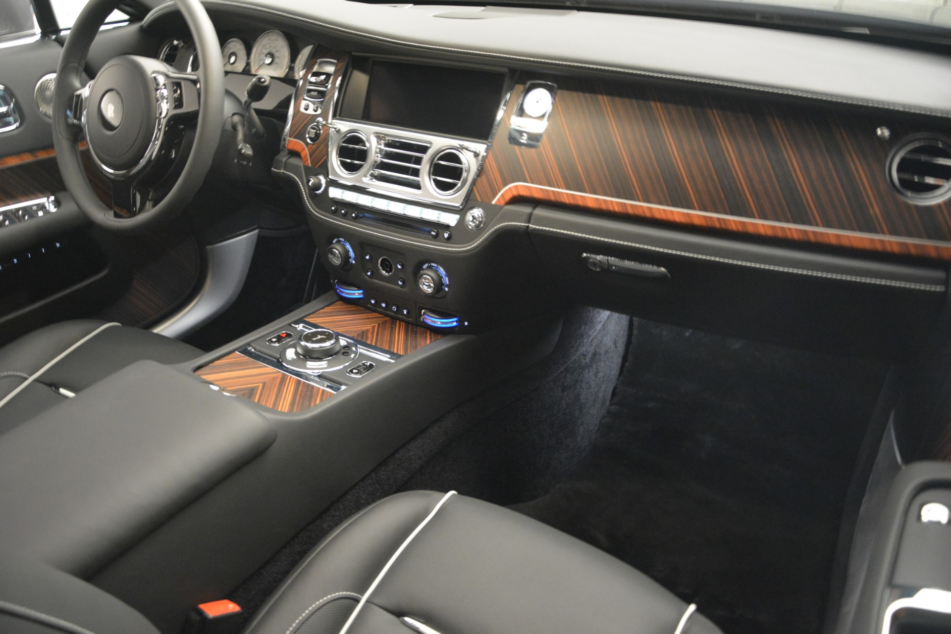 Used 2019 Rolls-Royce Wraith  For Sale In Greenwich, CT. Alfa Romeo of Greenwich, R503 2688_p22