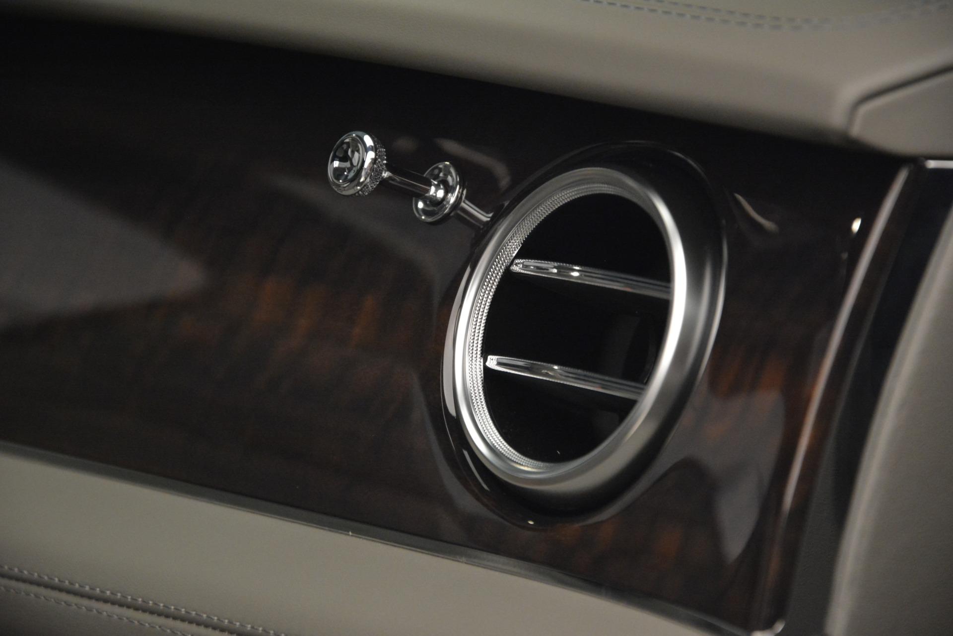 New 2019 Bentley Bentayga V8 For Sale In Greenwich, CT. Alfa Romeo of Greenwich, B1392 2700_p23