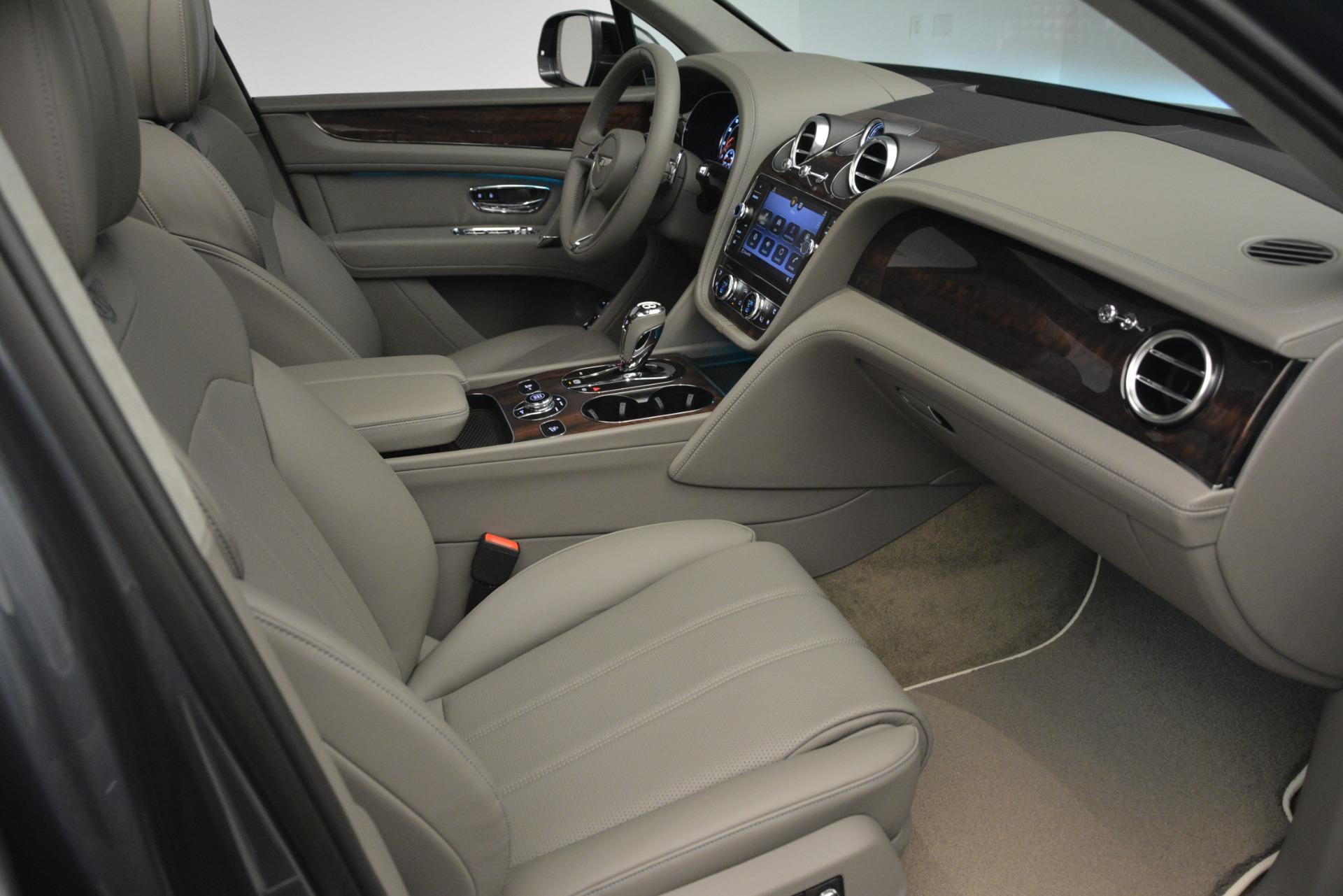 New 2019 Bentley Bentayga V8 For Sale In Greenwich, CT. Alfa Romeo of Greenwich, B1392 2700_p26