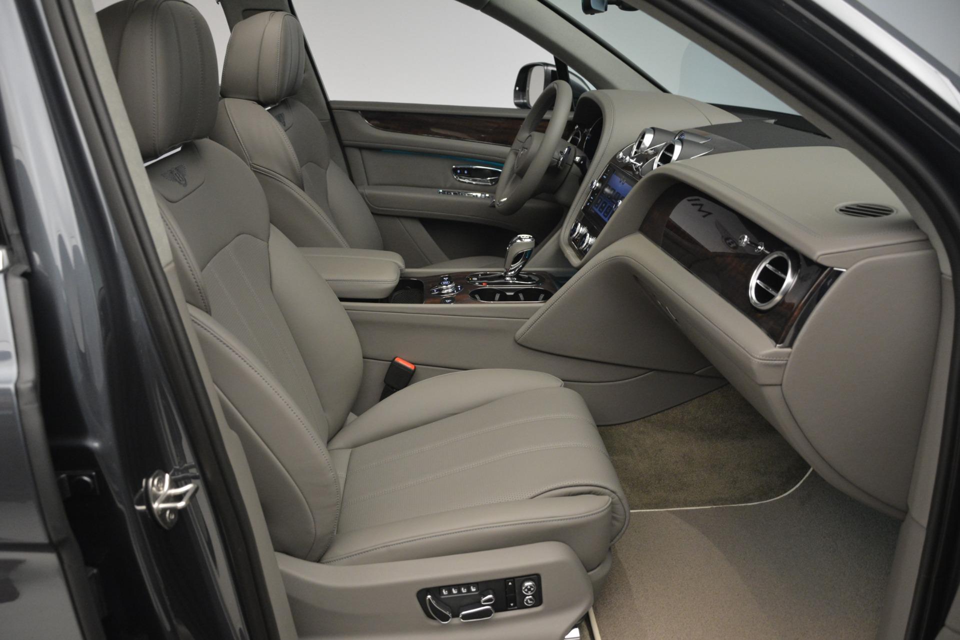New 2019 Bentley Bentayga V8 For Sale In Greenwich, CT. Alfa Romeo of Greenwich, B1392 2700_p27