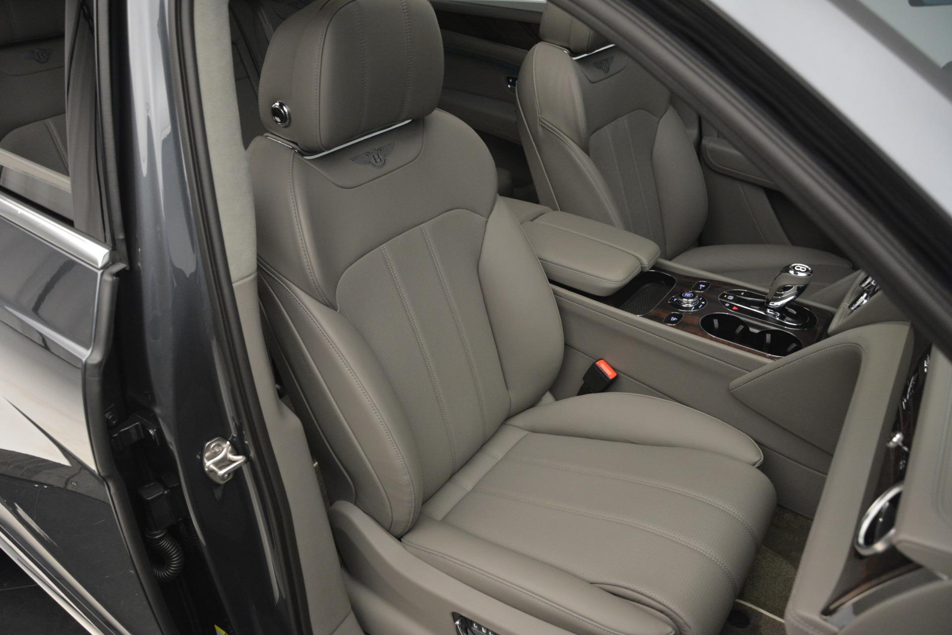 New 2019 Bentley Bentayga V8 For Sale In Greenwich, CT. Alfa Romeo of Greenwich, B1392 2700_p28