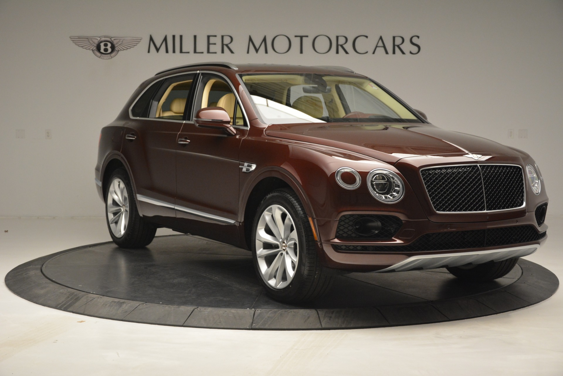 New 2019 Bentley Bentayga V8 For Sale In Greenwich, CT. Alfa Romeo of Greenwich, B1389 2702_p11