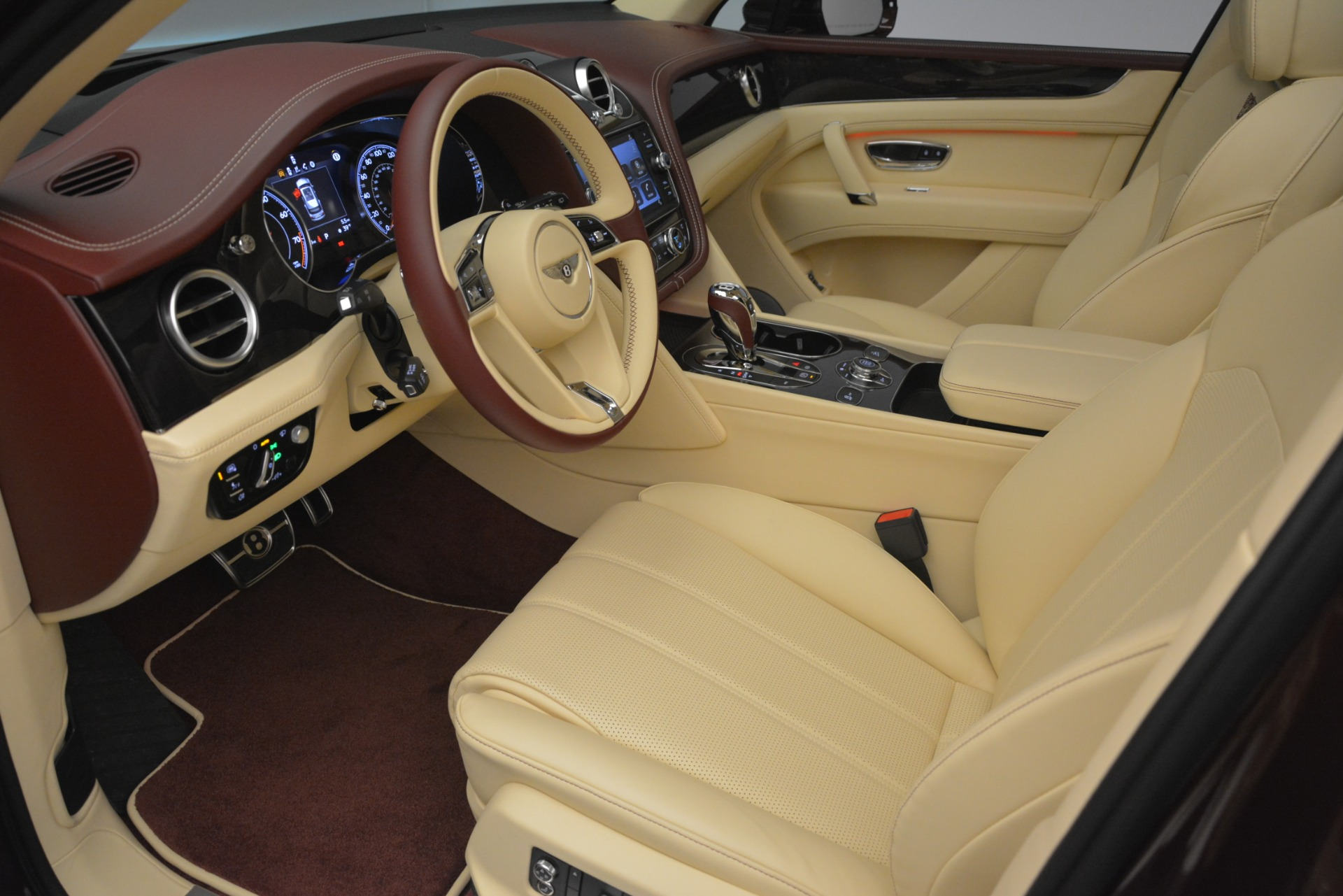New 2019 Bentley Bentayga V8 For Sale In Greenwich, CT. Alfa Romeo of Greenwich, B1389 2702_p18