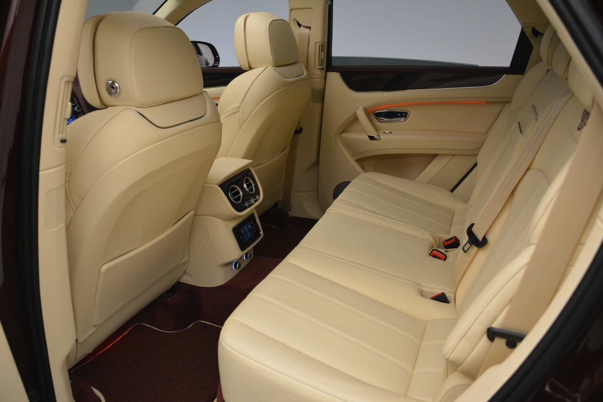 New 2019 Bentley Bentayga V8 For Sale In Greenwich, CT. Alfa Romeo of Greenwich, B1389 2702_p22