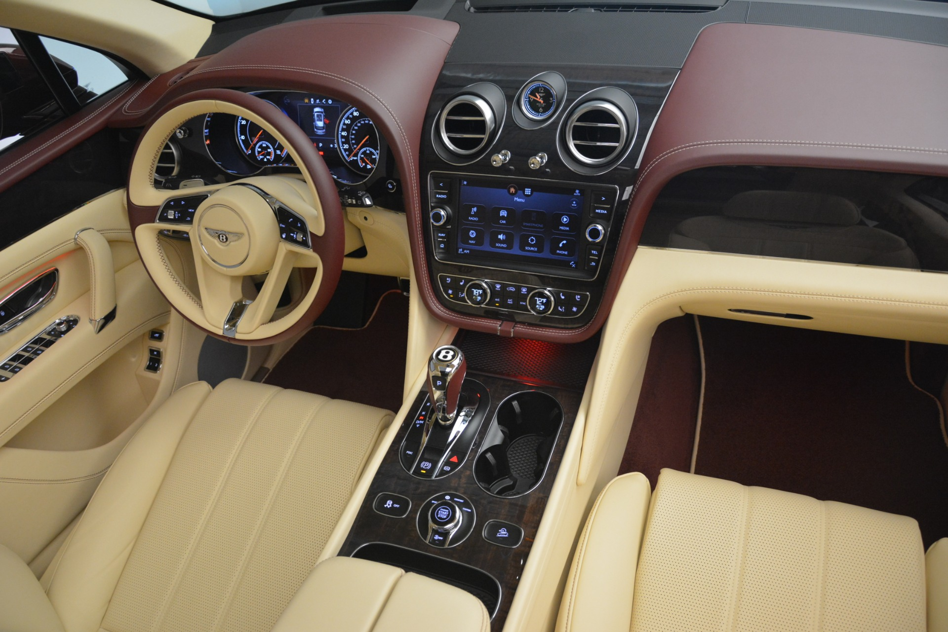 New 2019 Bentley Bentayga V8 For Sale In Greenwich, CT. Alfa Romeo of Greenwich, B1389 2702_p24
