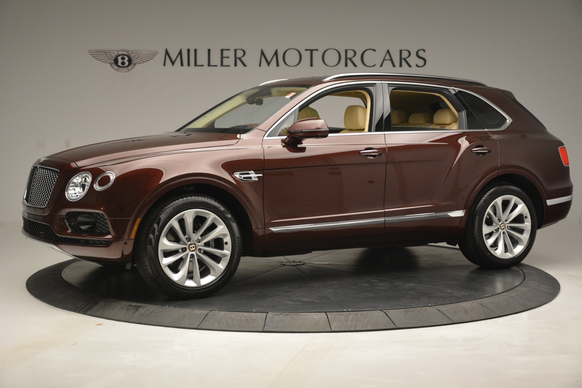 New 2019 Bentley Bentayga V8 For Sale In Greenwich, CT. Alfa Romeo of Greenwich, B1389 2702_p2