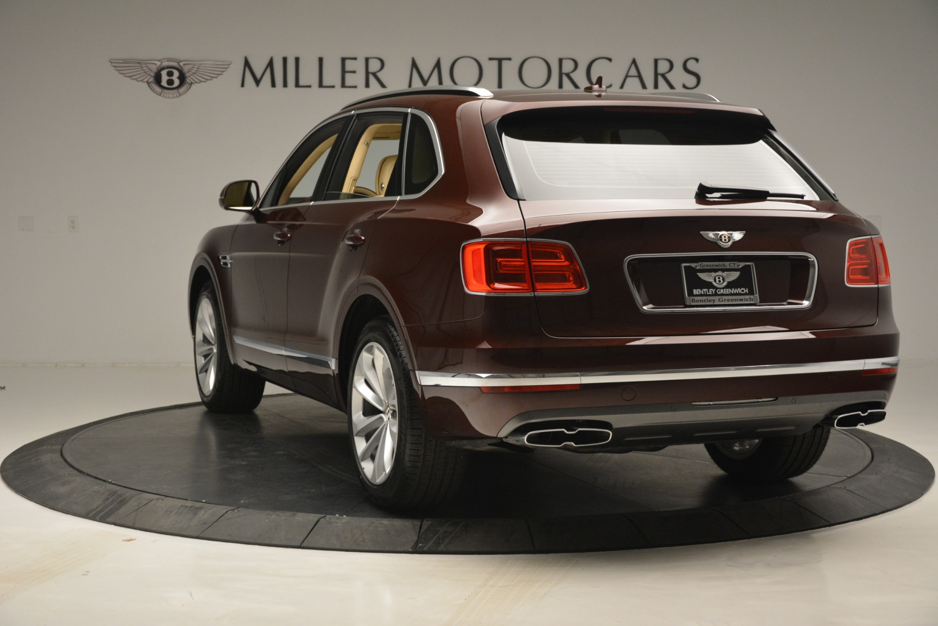 New 2019 Bentley Bentayga V8 For Sale In Greenwich, CT. Alfa Romeo of Greenwich, B1389 2702_p5