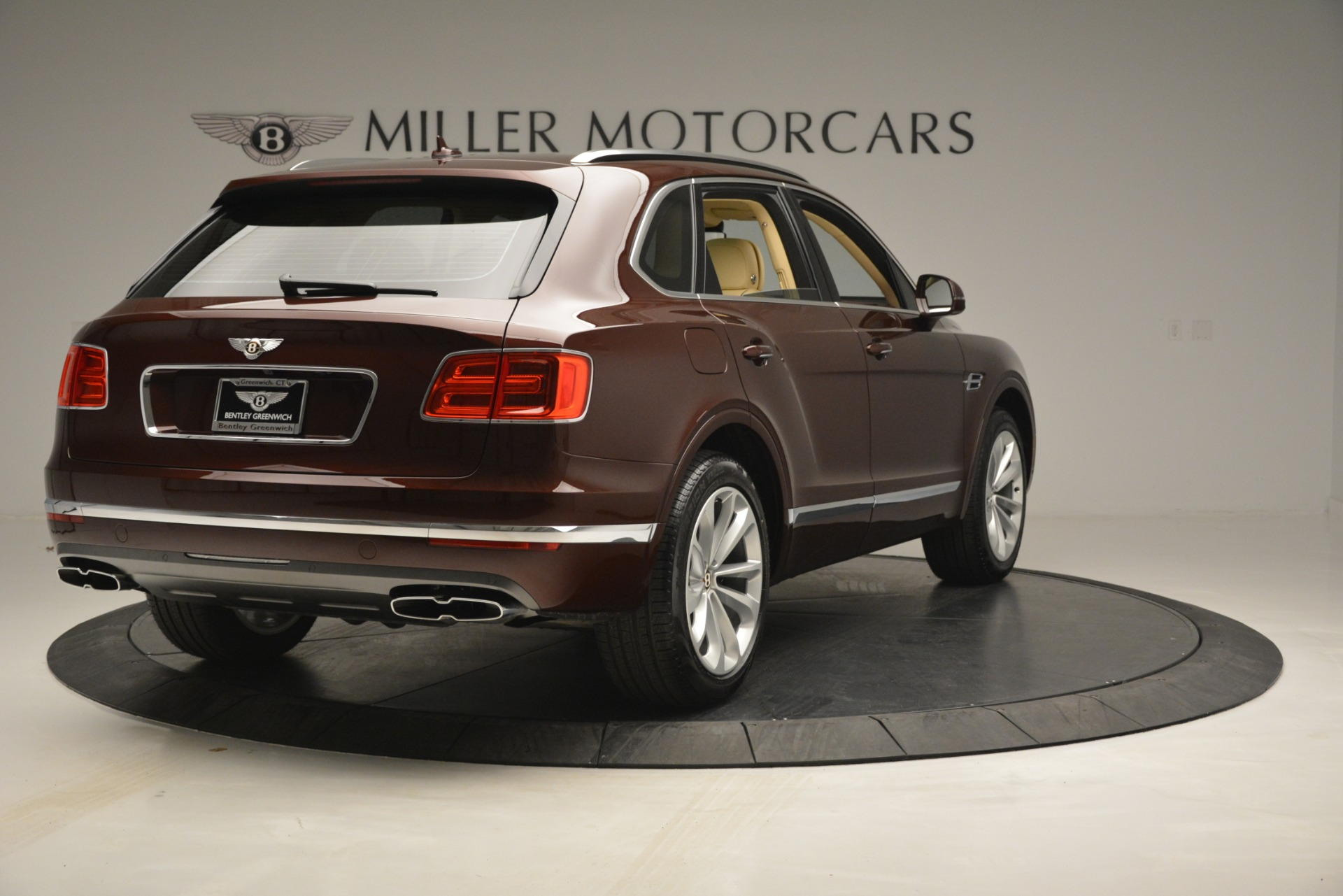 New 2019 Bentley Bentayga V8 For Sale In Greenwich, CT. Alfa Romeo of Greenwich, B1389 2702_p7