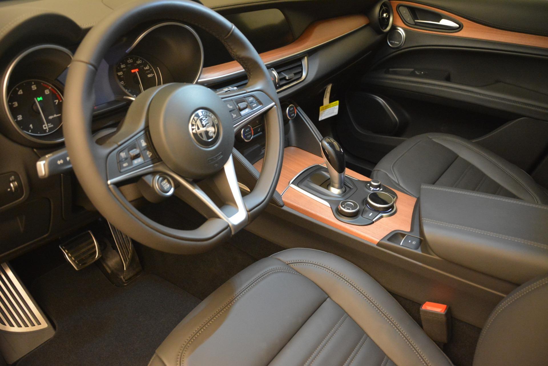 New 2018 Alfa Romeo Stelvio Ti Lusso Q4 For Sale In Greenwich, CT. Alfa Romeo of Greenwich, L502 2704_p13