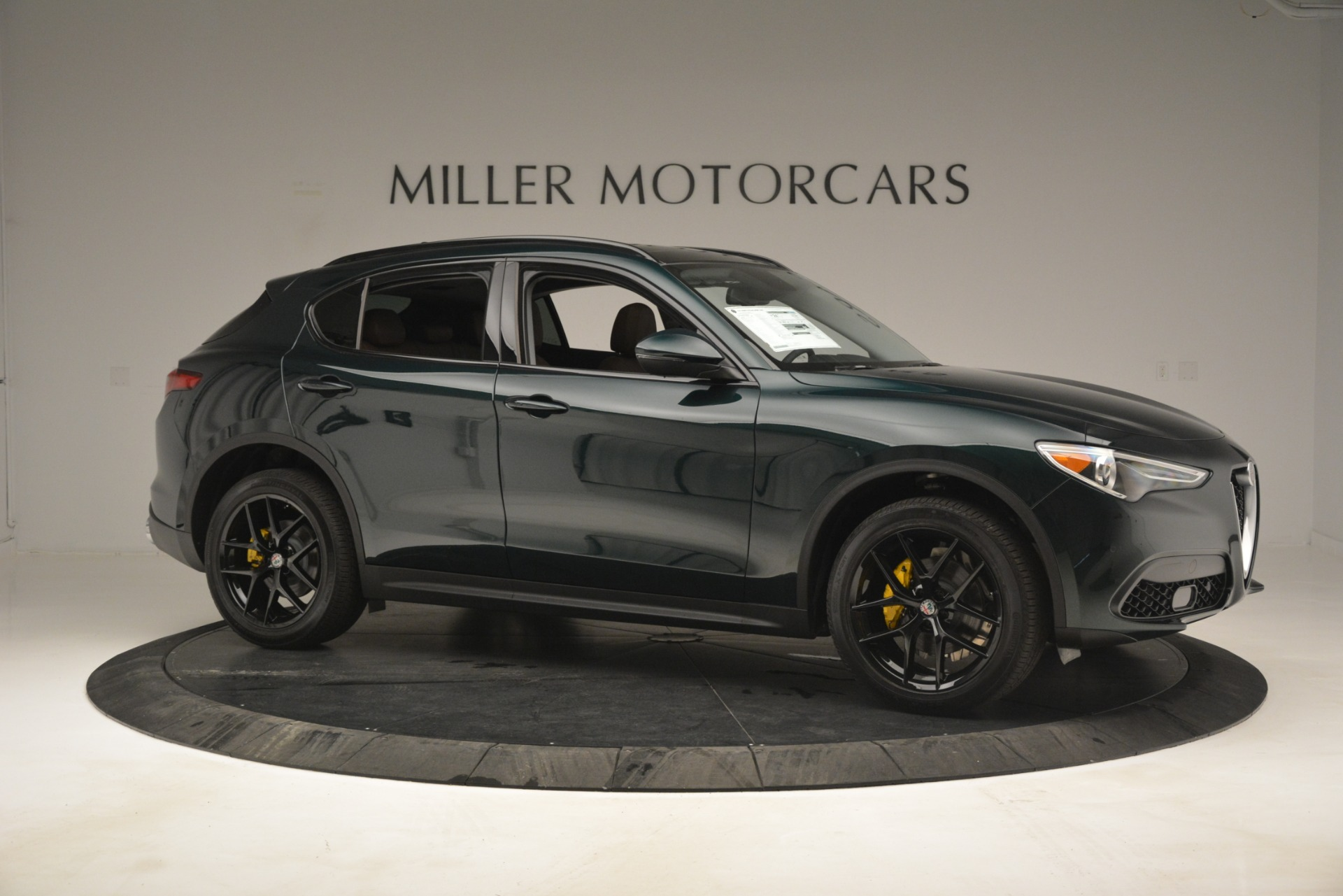 New 2019 Alfa Romeo Stelvio Sport Q4 For Sale In Greenwich, CT. Alfa Romeo of Greenwich, L507 2709_p10