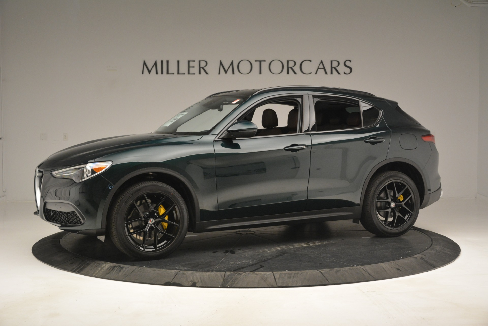 New 2019 Alfa Romeo Stelvio Sport Q4 For Sale In Greenwich, CT. Alfa Romeo of Greenwich, L507 2709_p2