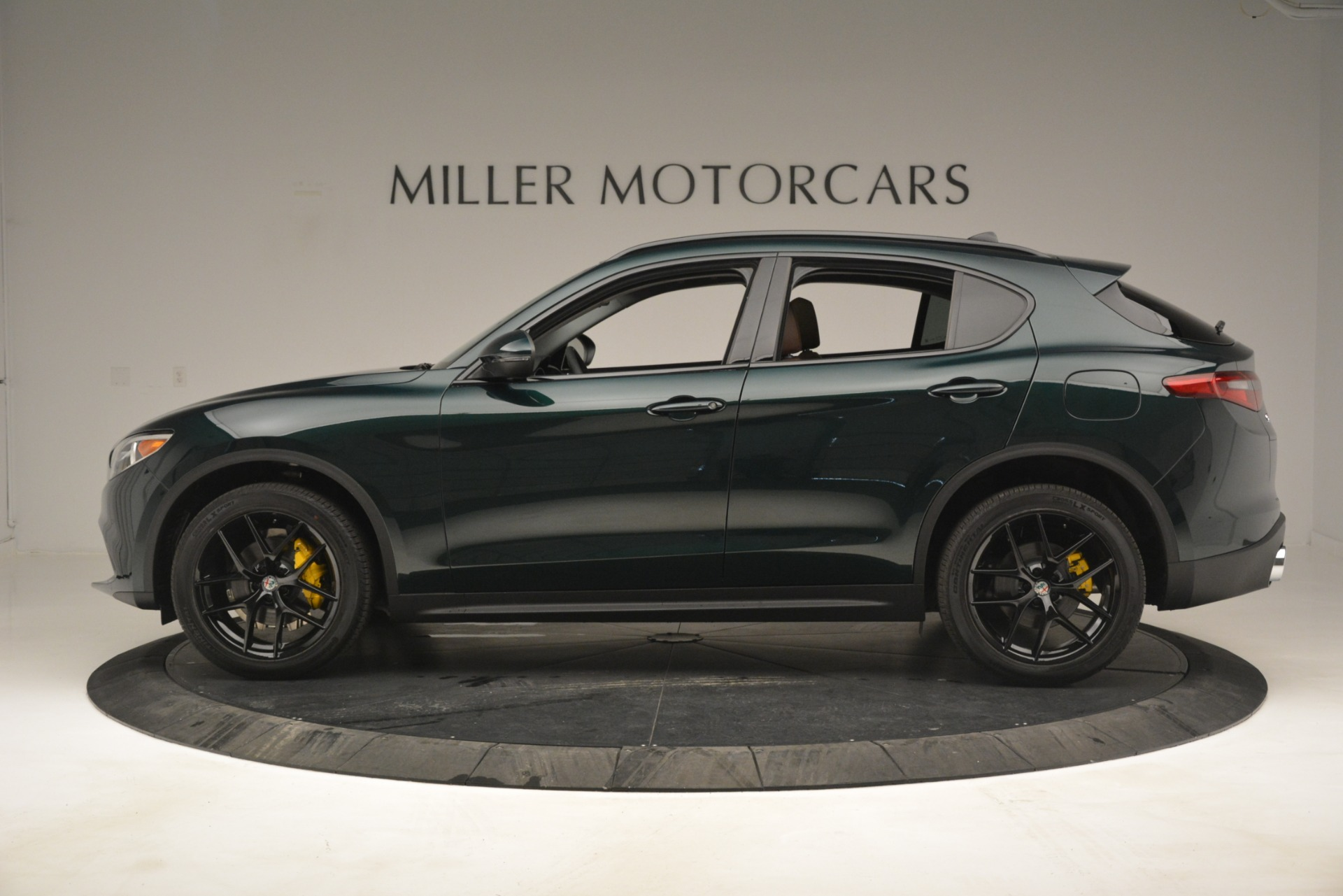 New 2019 Alfa Romeo Stelvio Sport Q4 For Sale In Greenwich, CT. Alfa Romeo of Greenwich, L507 2709_p3