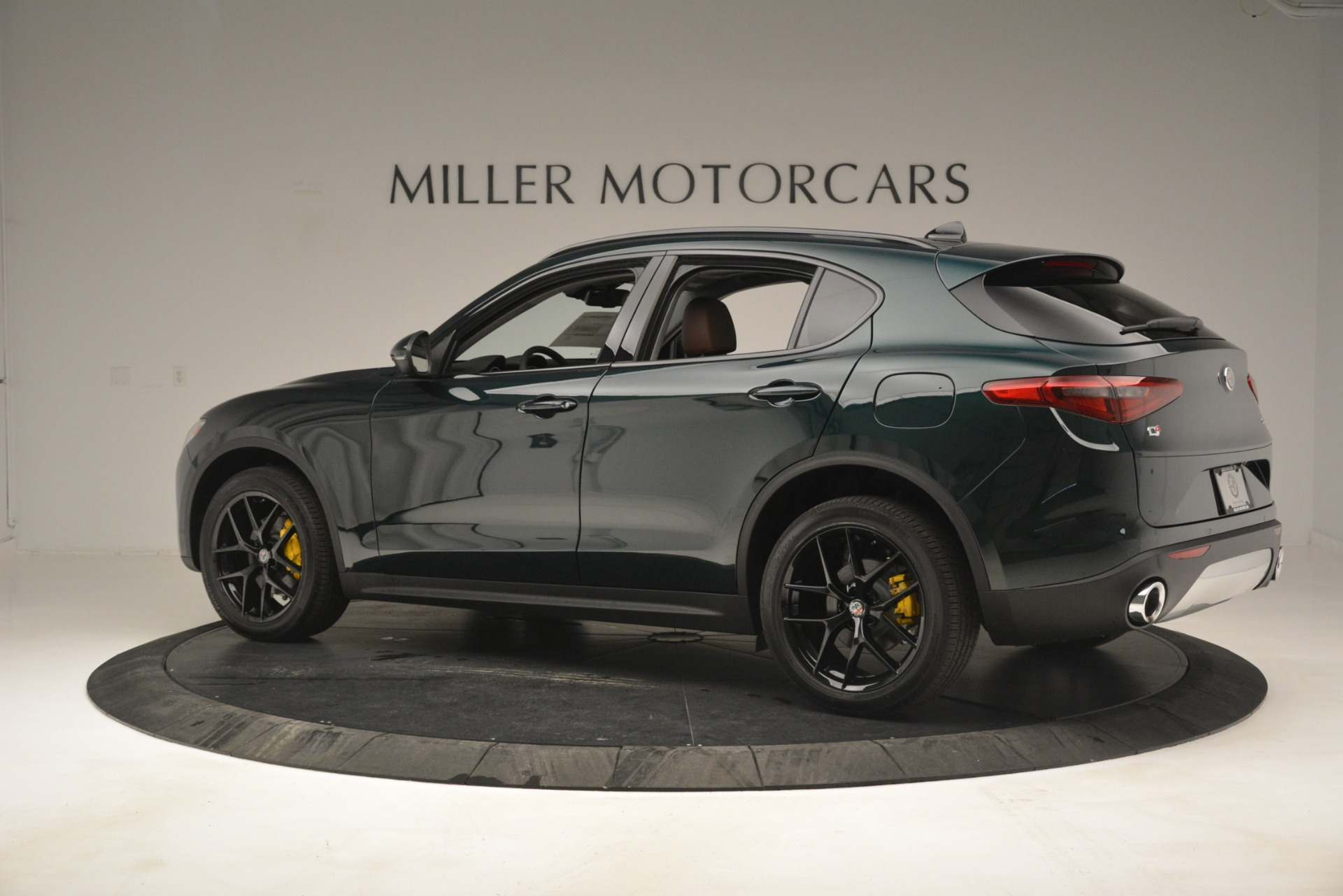 New 2019 Alfa Romeo Stelvio Sport Q4 For Sale In Greenwich, CT. Alfa Romeo of Greenwich, L507 2709_p4