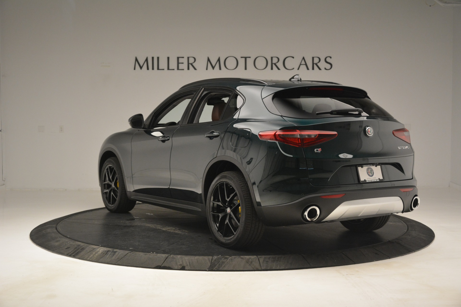 New 2019 Alfa Romeo Stelvio Sport Q4 For Sale In Greenwich, CT. Alfa Romeo of Greenwich, L507 2709_p5