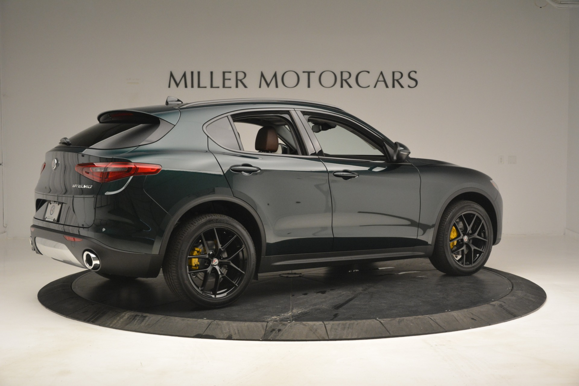 New 2019 Alfa Romeo Stelvio Sport Q4 For Sale In Greenwich, CT. Alfa Romeo of Greenwich, L507 2709_p8