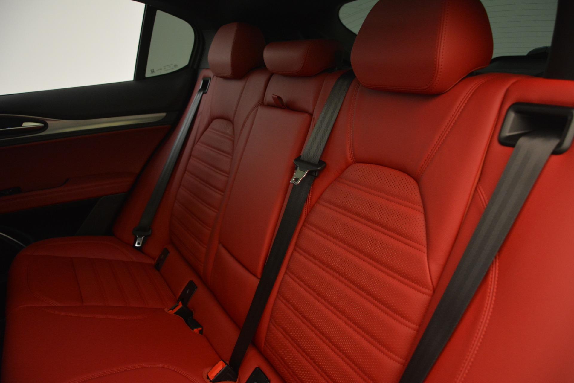 New 2019 Alfa Romeo Stelvio Ti Sport Q4 For Sale In Greenwich, CT. Alfa Romeo of Greenwich, LW259 2711_p18