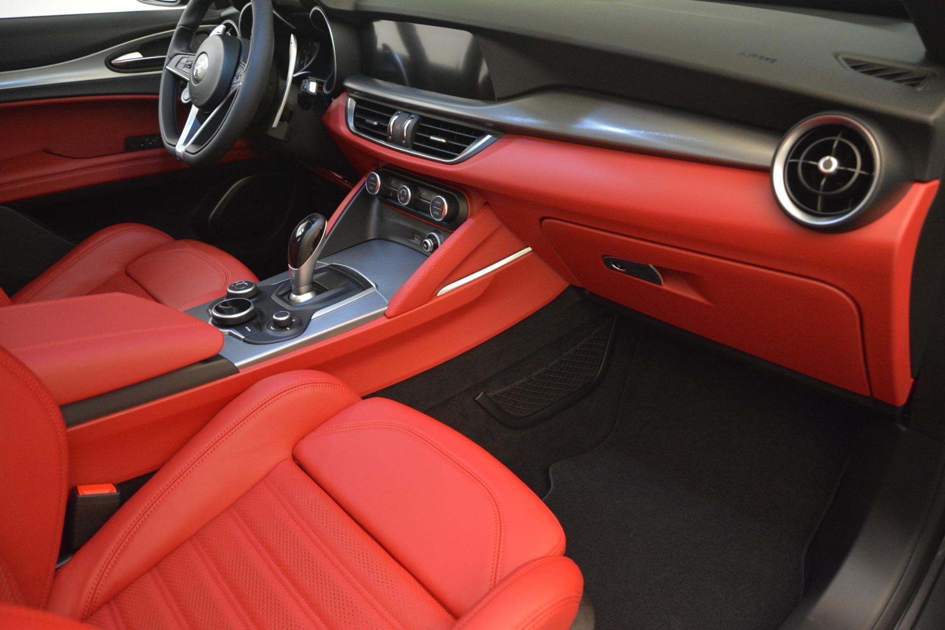 New 2019 Alfa Romeo Stelvio Ti Sport Q4 For Sale In Greenwich, CT. Alfa Romeo of Greenwich, LW259 2711_p19