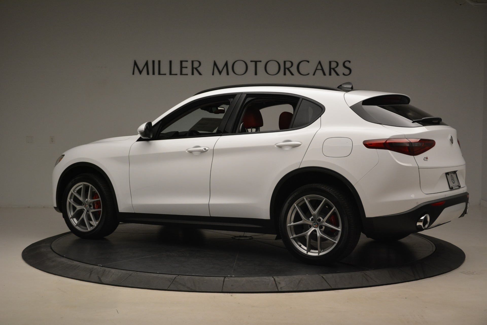 New 2019 Alfa Romeo Stelvio Ti Sport Q4 For Sale In Greenwich, CT. Alfa Romeo of Greenwich, LW261 2713_p4