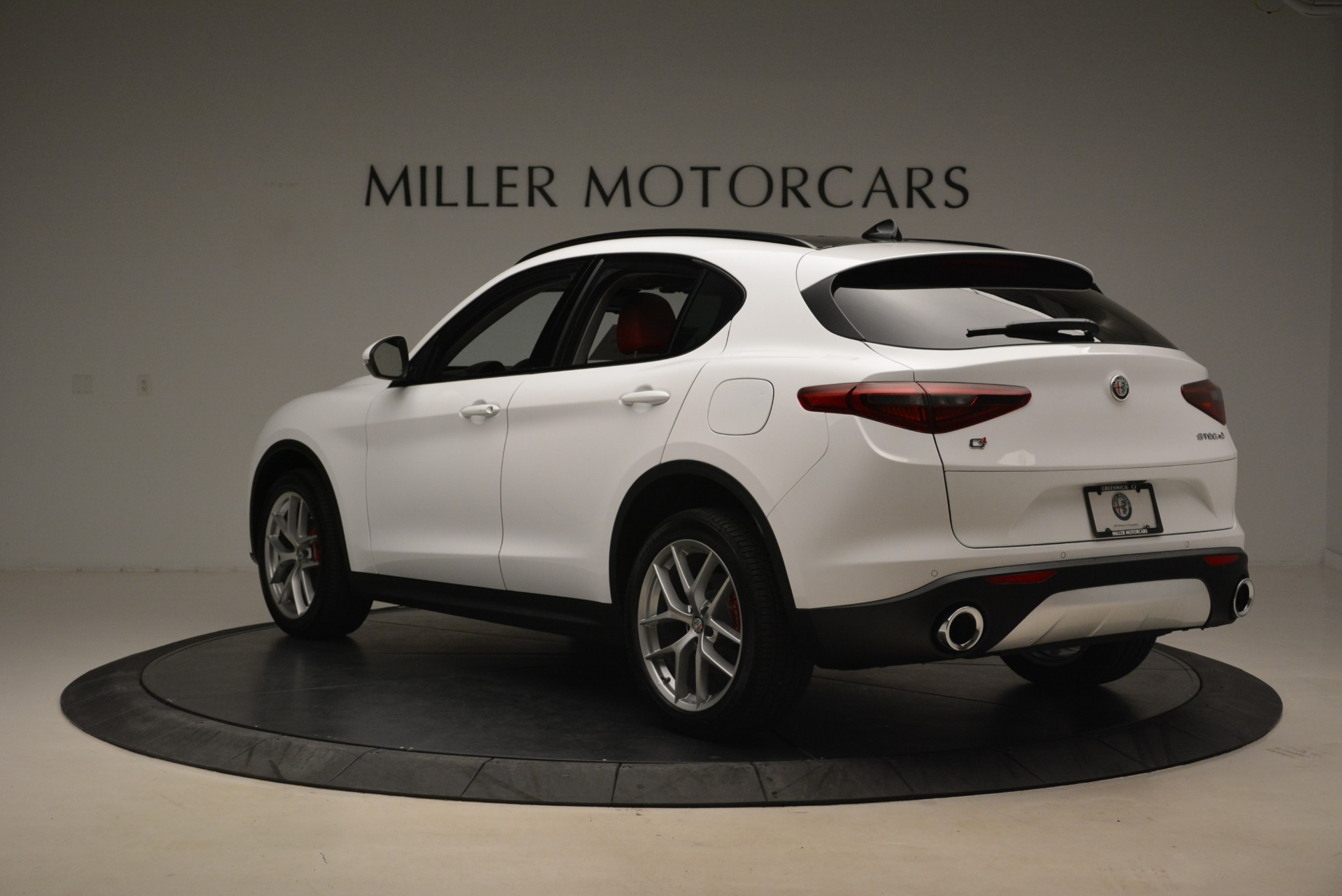 New 2019 Alfa Romeo Stelvio Ti Sport Q4 For Sale In Greenwich, CT. Alfa Romeo of Greenwich, LW261 2713_p5