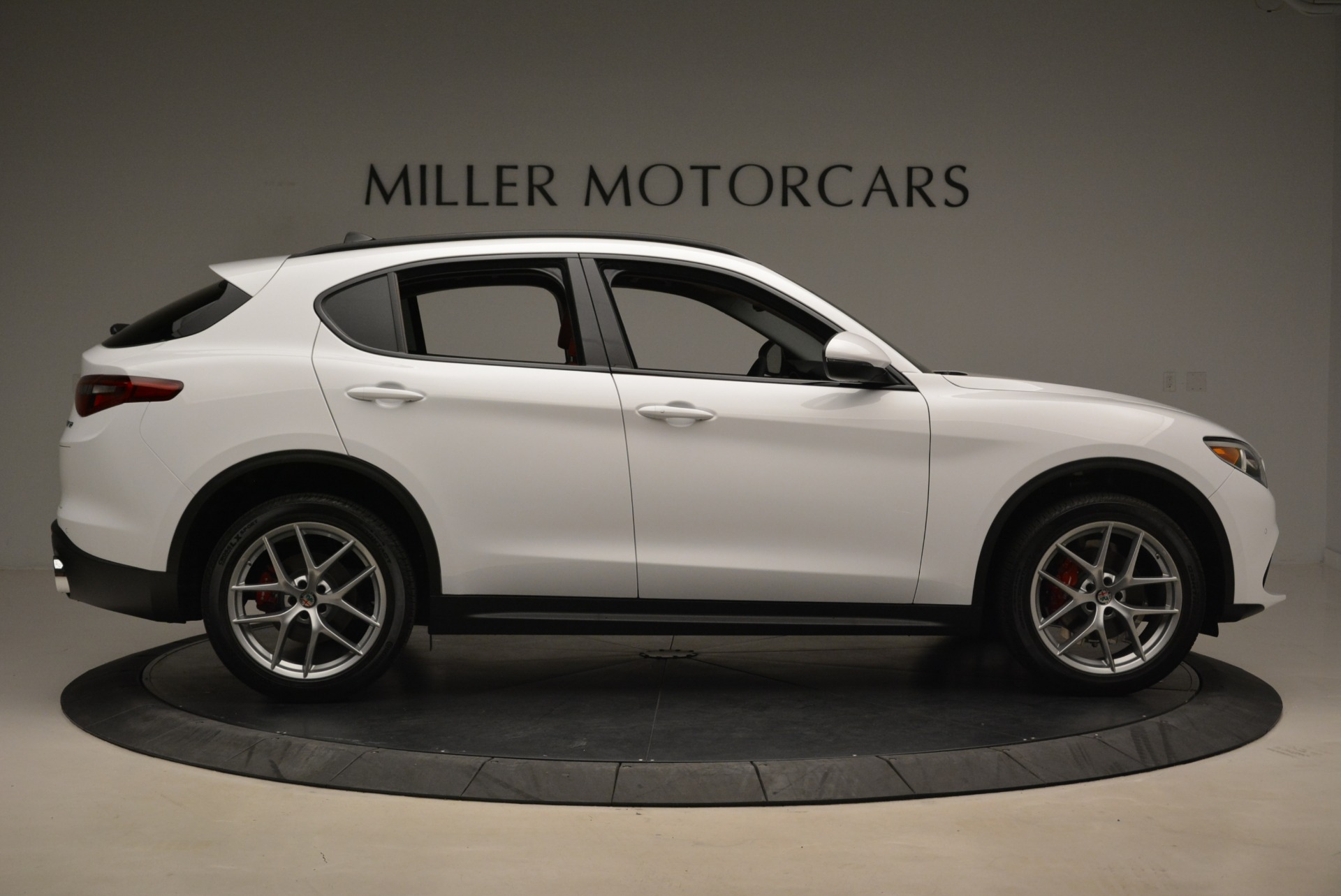 New 2019 Alfa Romeo Stelvio Ti Sport Q4 For Sale In Greenwich, CT. Alfa Romeo of Greenwich, LW261 2713_p9