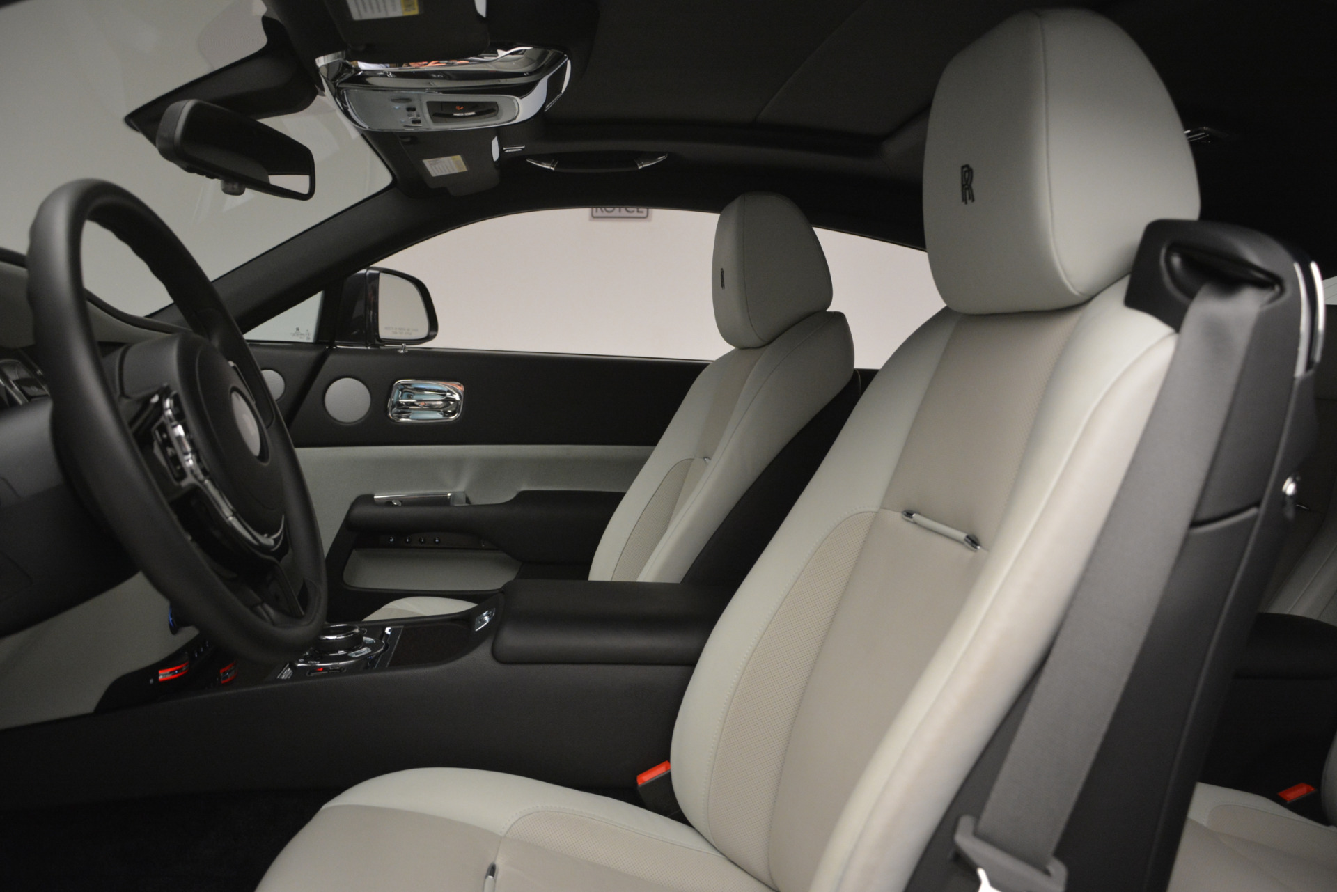Used 2015 Rolls-Royce Wraith  For Sale In Greenwich, CT. Alfa Romeo of Greenwich, 7442 2716_p12