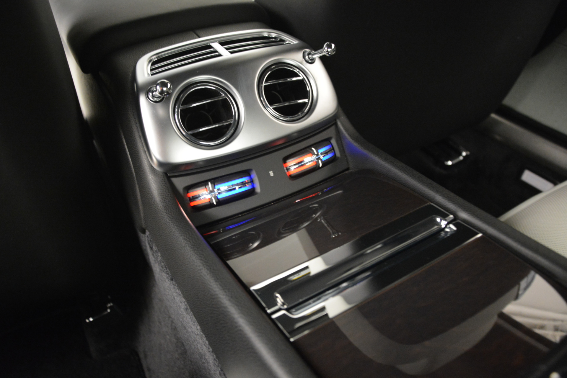 Used 2015 Rolls-Royce Wraith  For Sale In Greenwich, CT. Alfa Romeo of Greenwich, 7442 2716_p20