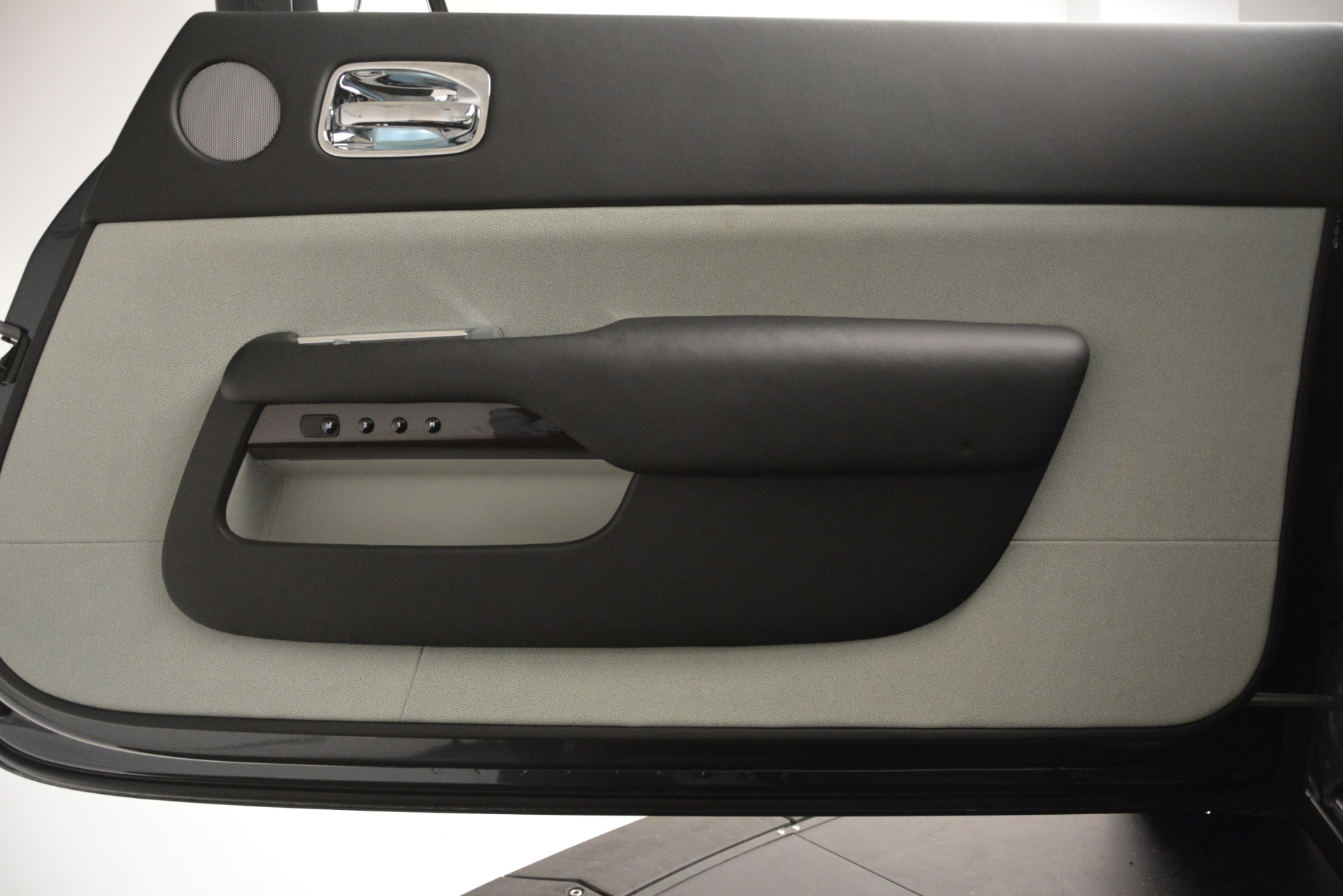 Used 2015 Rolls-Royce Wraith  For Sale In Greenwich, CT. Alfa Romeo of Greenwich, 7442 2716_p21