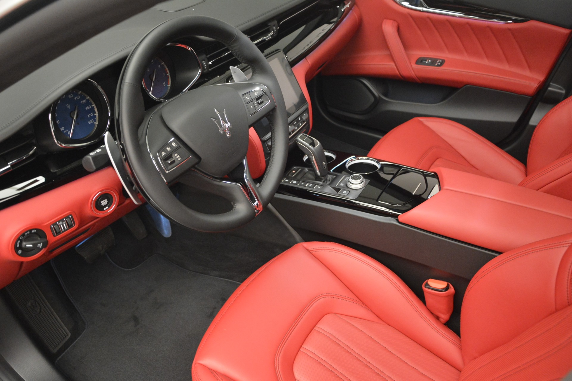 New 2019 Maserati Quattroporte S Q4 GranLusso For Sale In Greenwich, CT. Alfa Romeo of Greenwich, W629 2718_p13