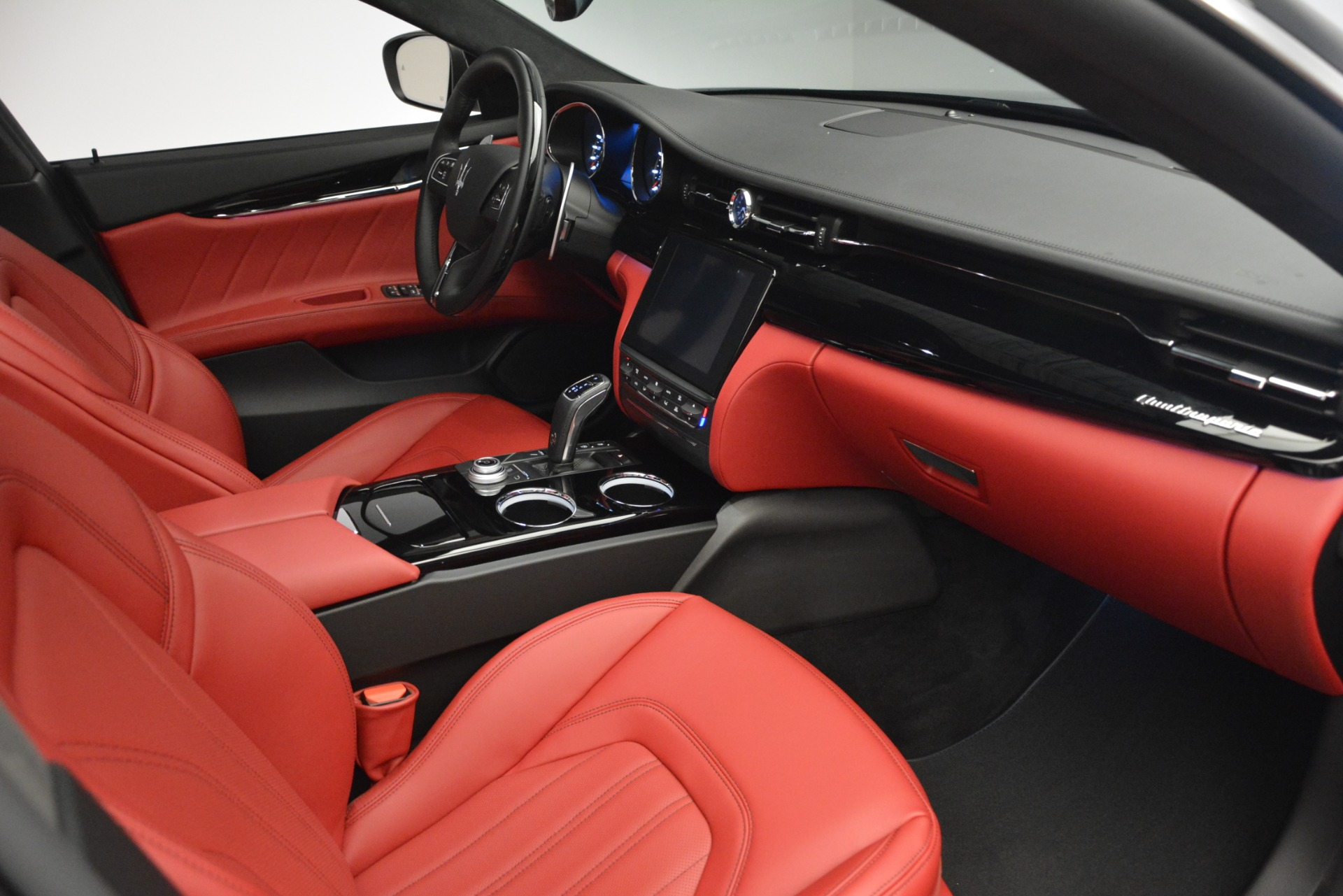 New 2019 Maserati Quattroporte S Q4 GranLusso For Sale In Greenwich, CT. Alfa Romeo of Greenwich, W629 2718_p17