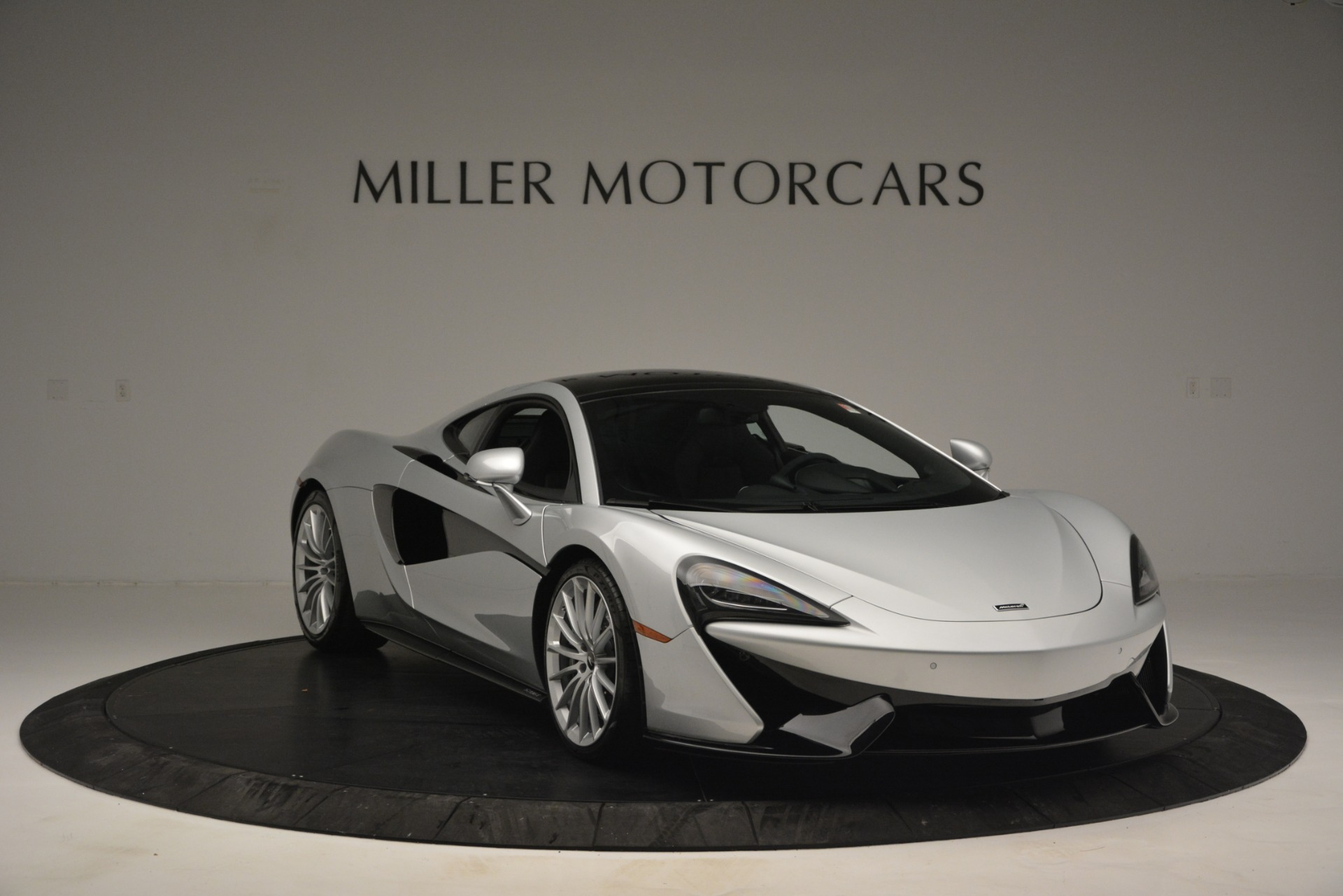 New 2019 McLaren 570GT Coupe For Sale In Greenwich, CT. Alfa Romeo of Greenwich, MC395 2725_p11