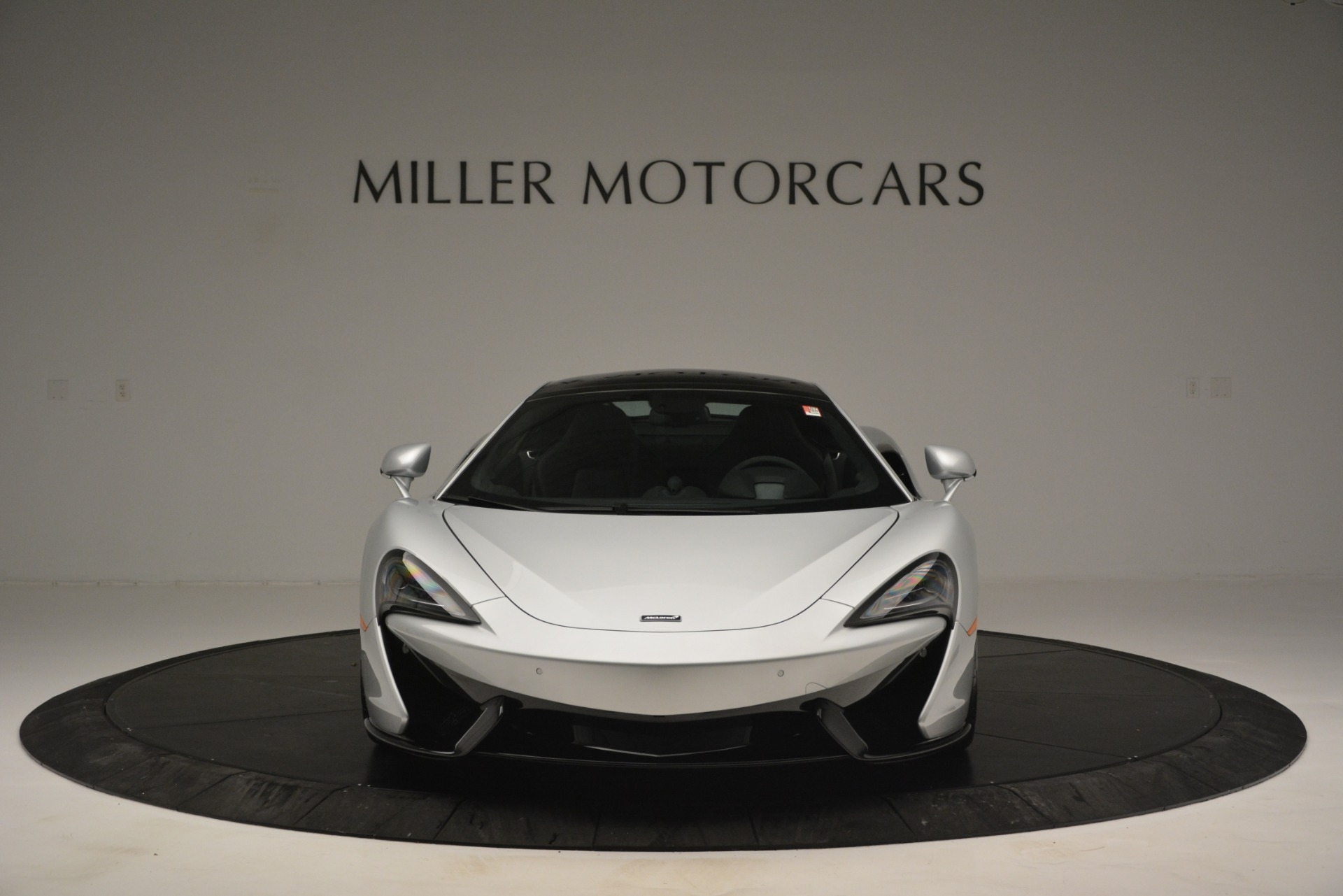 New 2019 McLaren 570GT Coupe For Sale In Greenwich, CT. Alfa Romeo of Greenwich, MC395 2725_p12