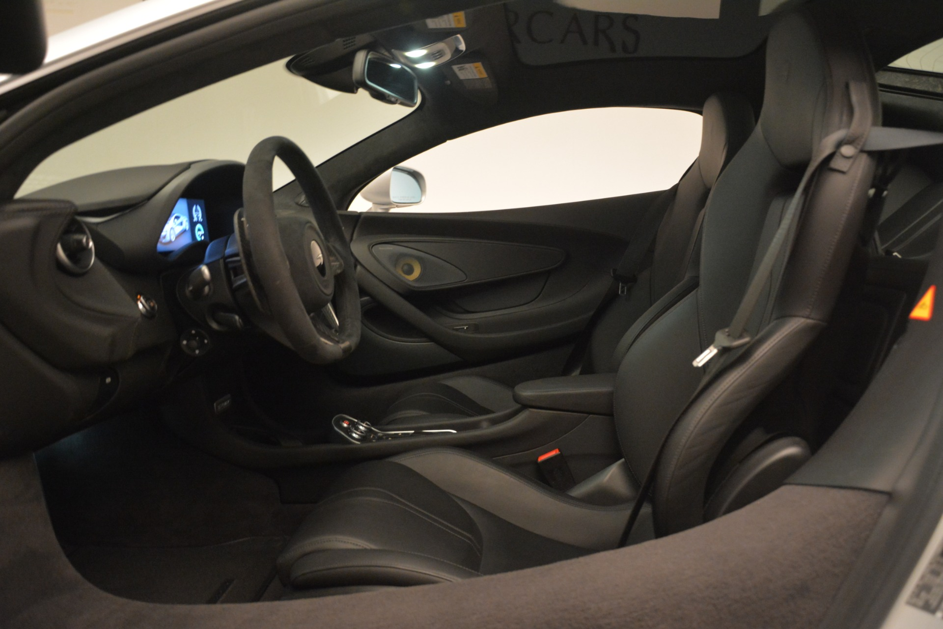 New 2019 McLaren 570GT Coupe For Sale In Greenwich, CT. Alfa Romeo of Greenwich, MC395 2725_p17