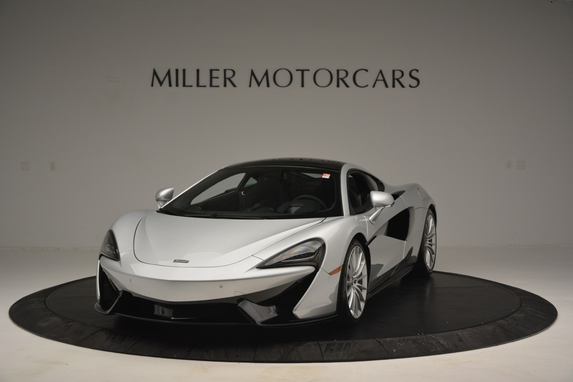 New 2019 McLaren 570GT Coupe For Sale In Greenwich, CT. Alfa Romeo of Greenwich, MC395 2725_p2