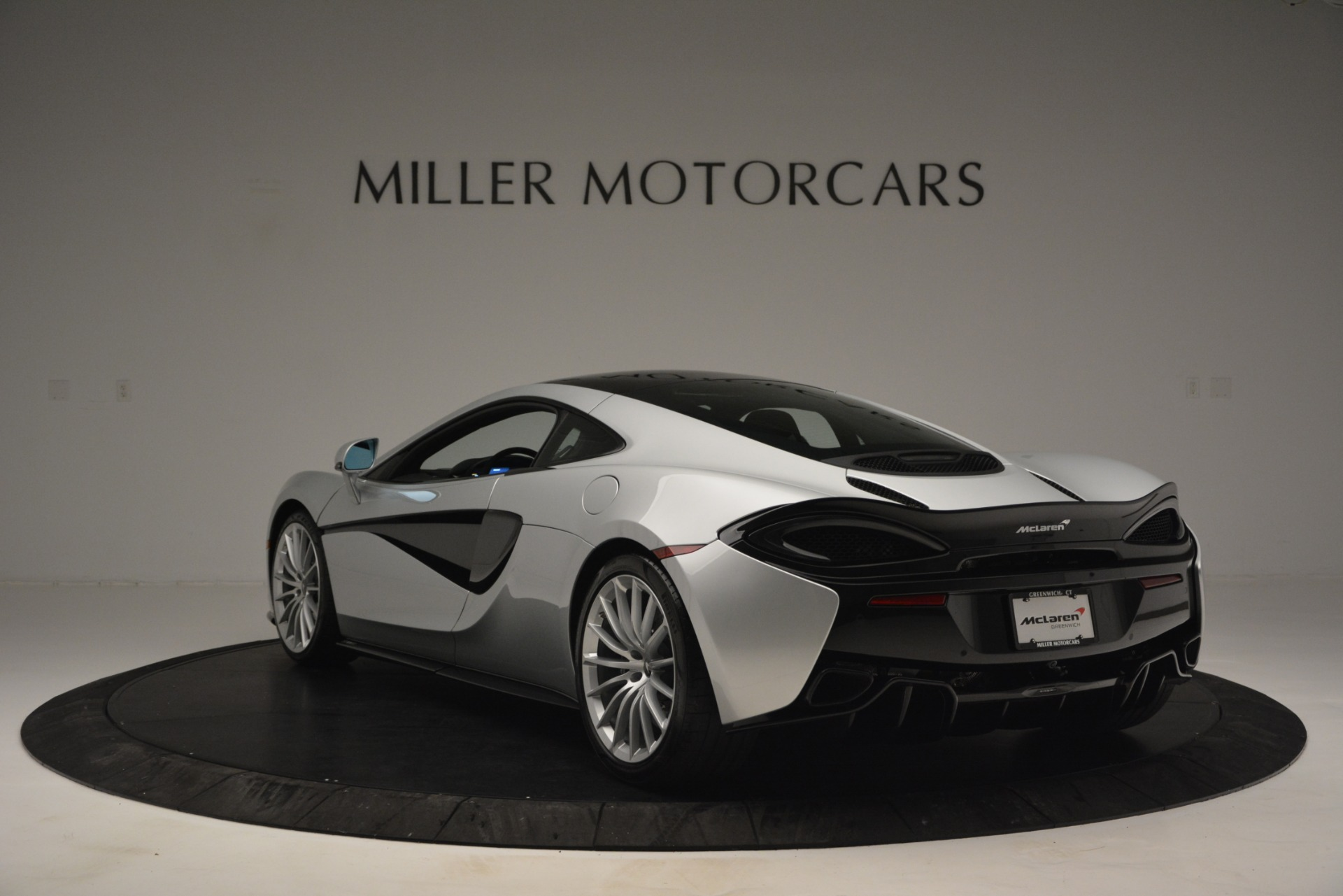 New 2019 McLaren 570GT Coupe For Sale In Greenwich, CT. Alfa Romeo of Greenwich, MC395 2725_p5
