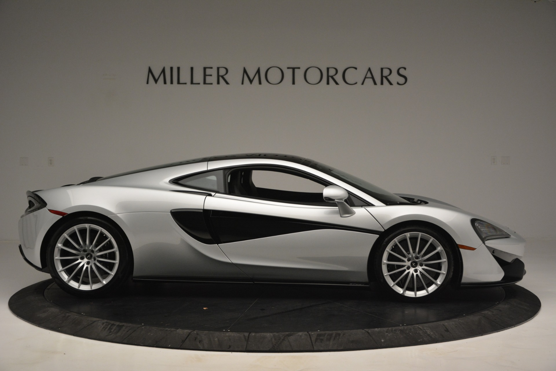 New 2019 McLaren 570GT Coupe For Sale In Greenwich, CT. Alfa Romeo of Greenwich, MC395 2725_p9
